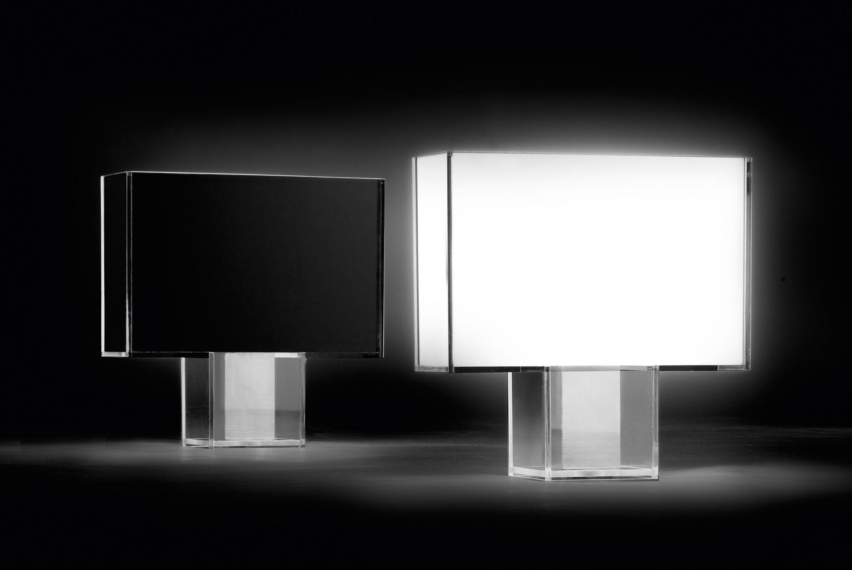 Scopri Lampada da tavolo Tati, Bianco di Kartell, Made In Design Italia