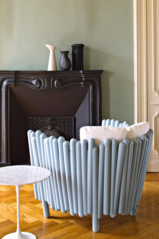 fauteuil canisse assise rembourr e blanc serralunga. Black Bedroom Furniture Sets. Home Design Ideas