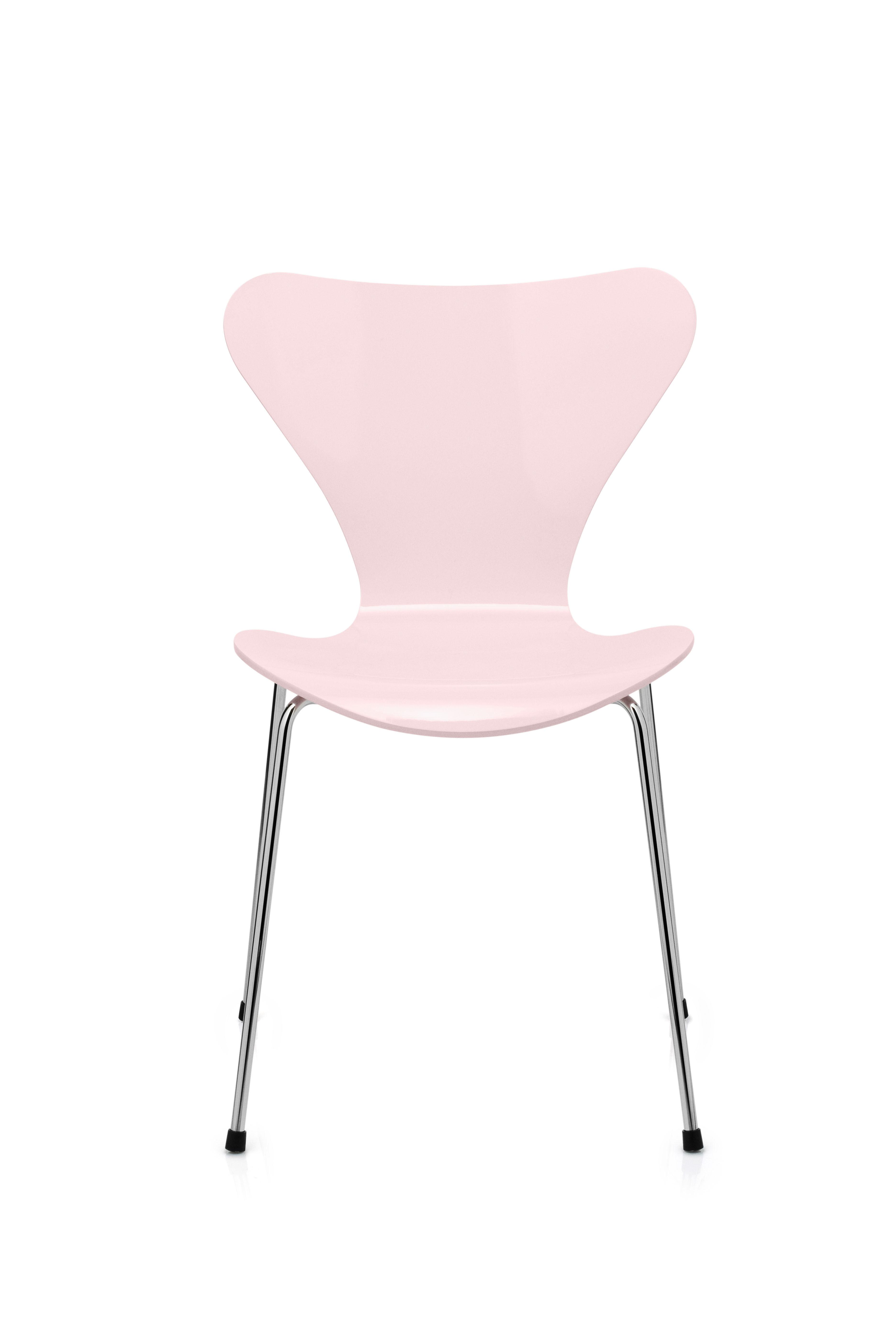 chaise empilable s rie 7 laqu e coloris exclusif fleur de cerisier fritz hansen. Black Bedroom Furniture Sets. Home Design Ideas