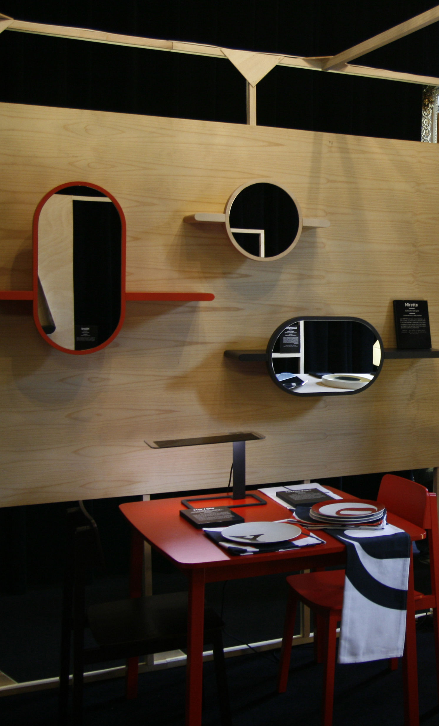 lampe de table ol tecnologia oled by blackbody noir. Black Bedroom Furniture Sets. Home Design Ideas