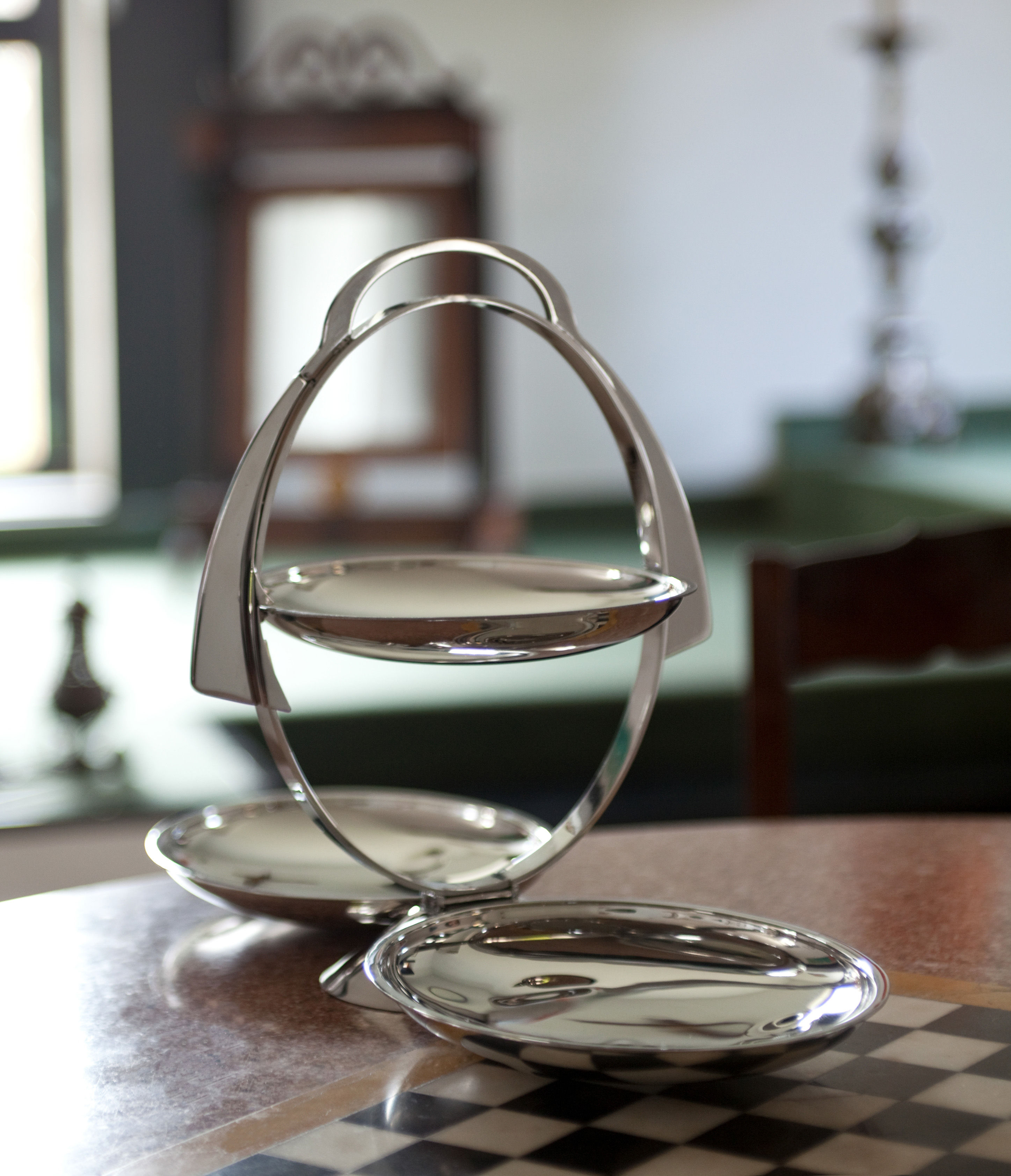 Plateau anna gong pliable l 44 cm 3 tages acier for Serviteur de table 3 etages
