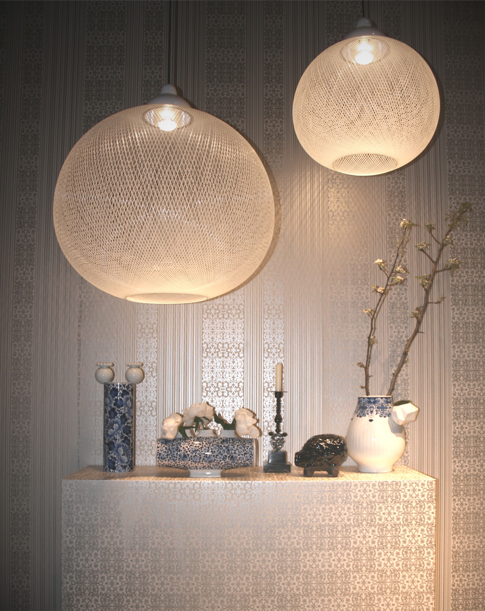 Non random light pendant white by moooi for Luminaire suspension