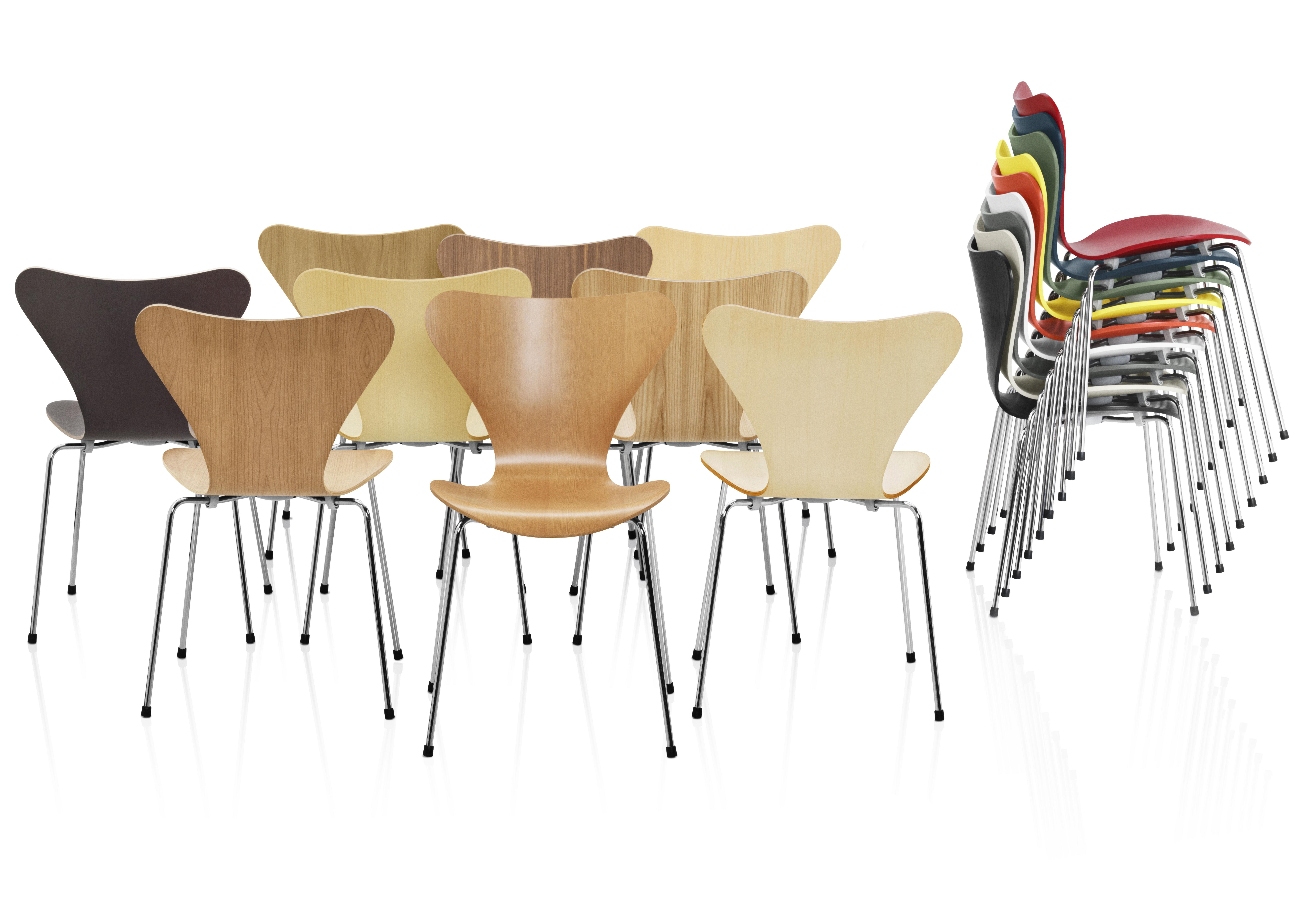 Chaise empilable série 7 / bois laqué laqué gris clair   fritz hansen