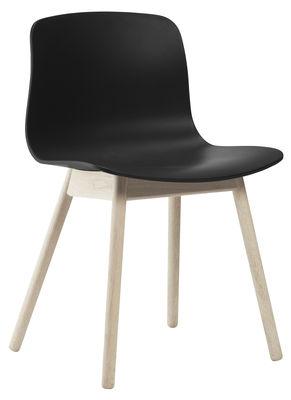 Chaise about a chair aac12 plastique pieds bois noir for Chaise plastique bois