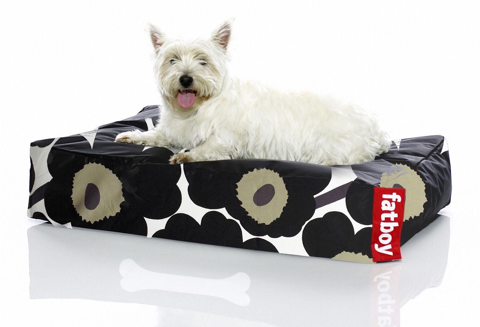 doggielounge small marimekko unikko pouf for dogs unikko black by fatboy. Black Bedroom Furniture Sets. Home Design Ideas