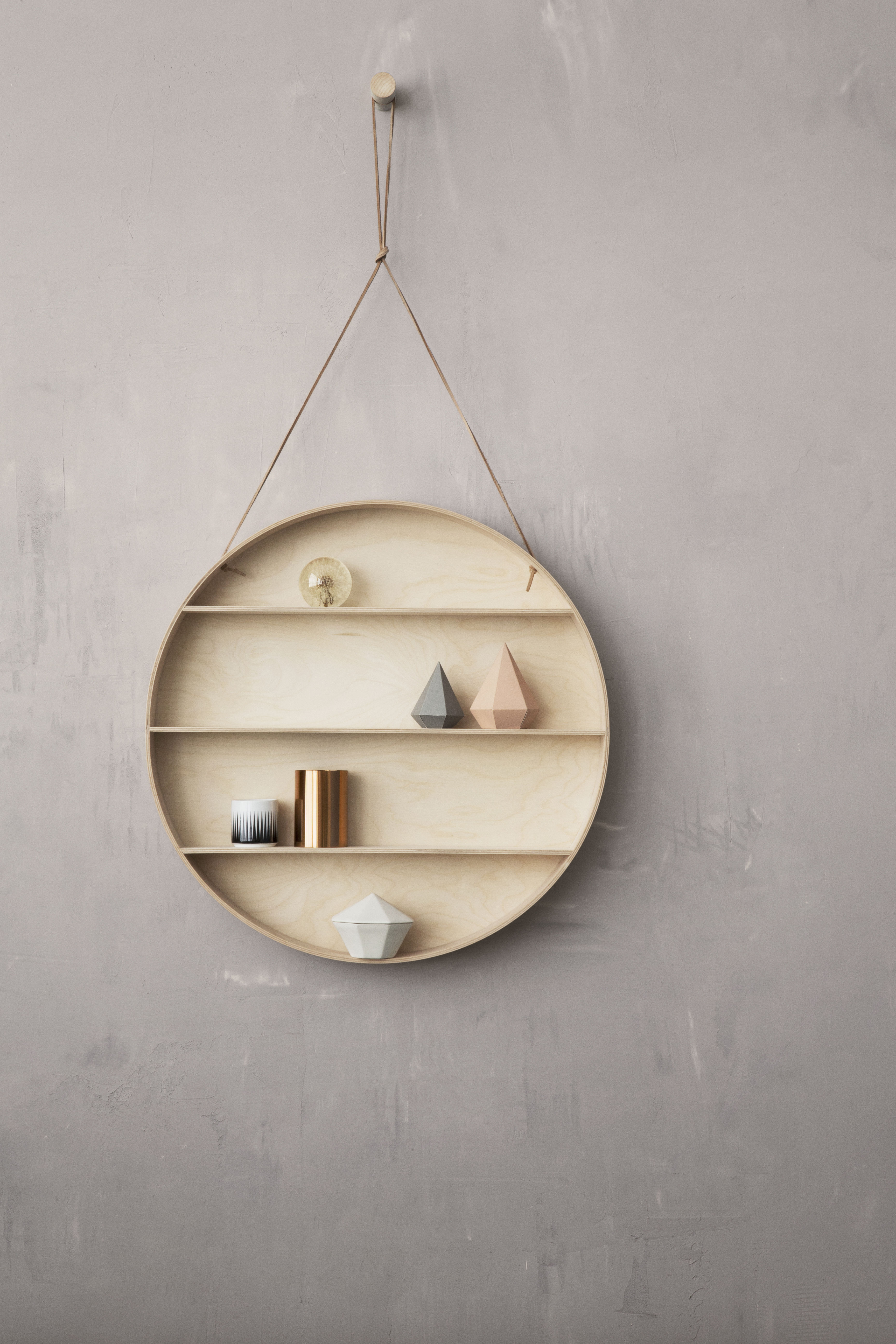The round dorm shelf natural wood by ferm living - Etagere murale ronde ...