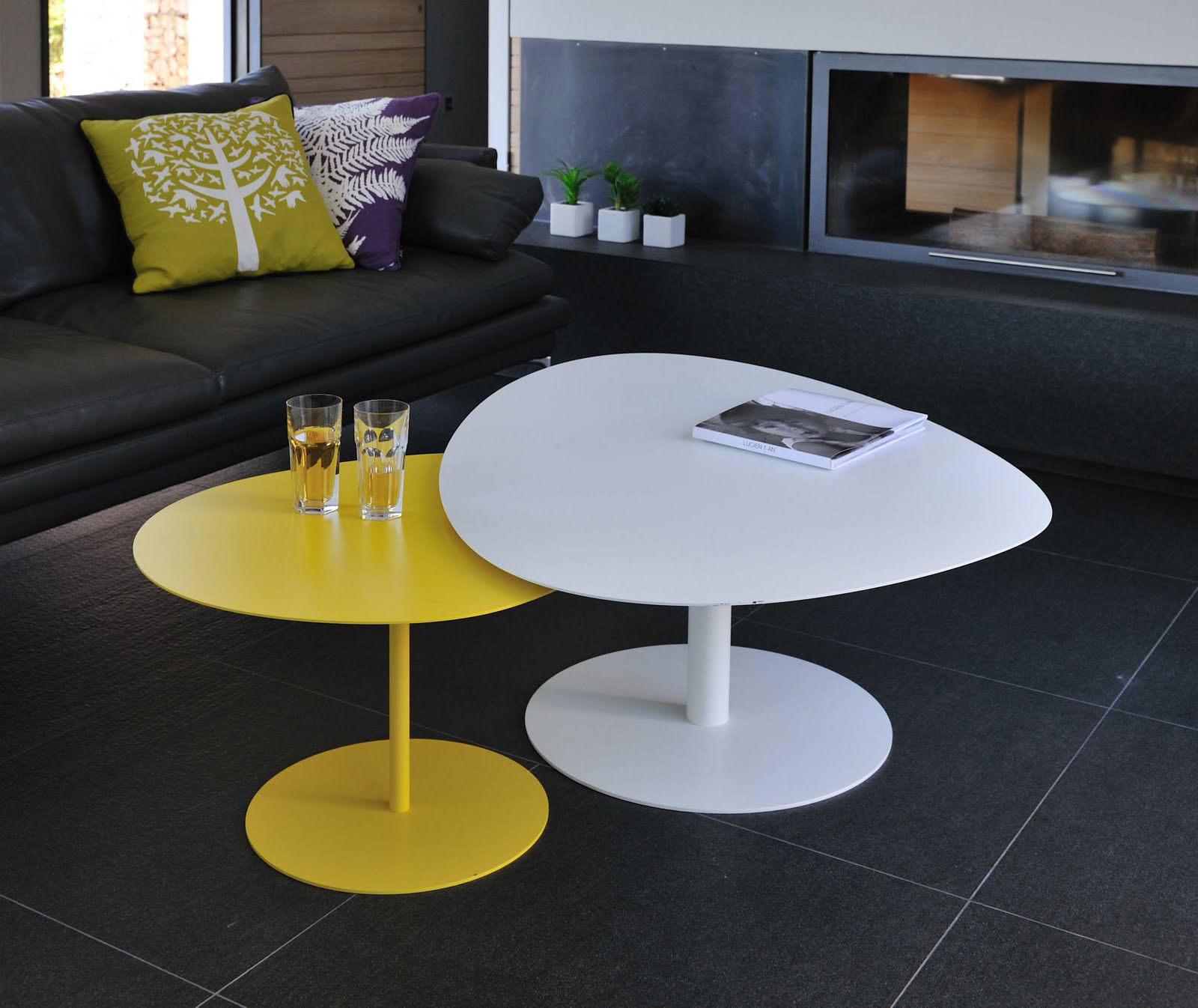 Galet xl coffee table black by mati re grise - Table basse grise design ...