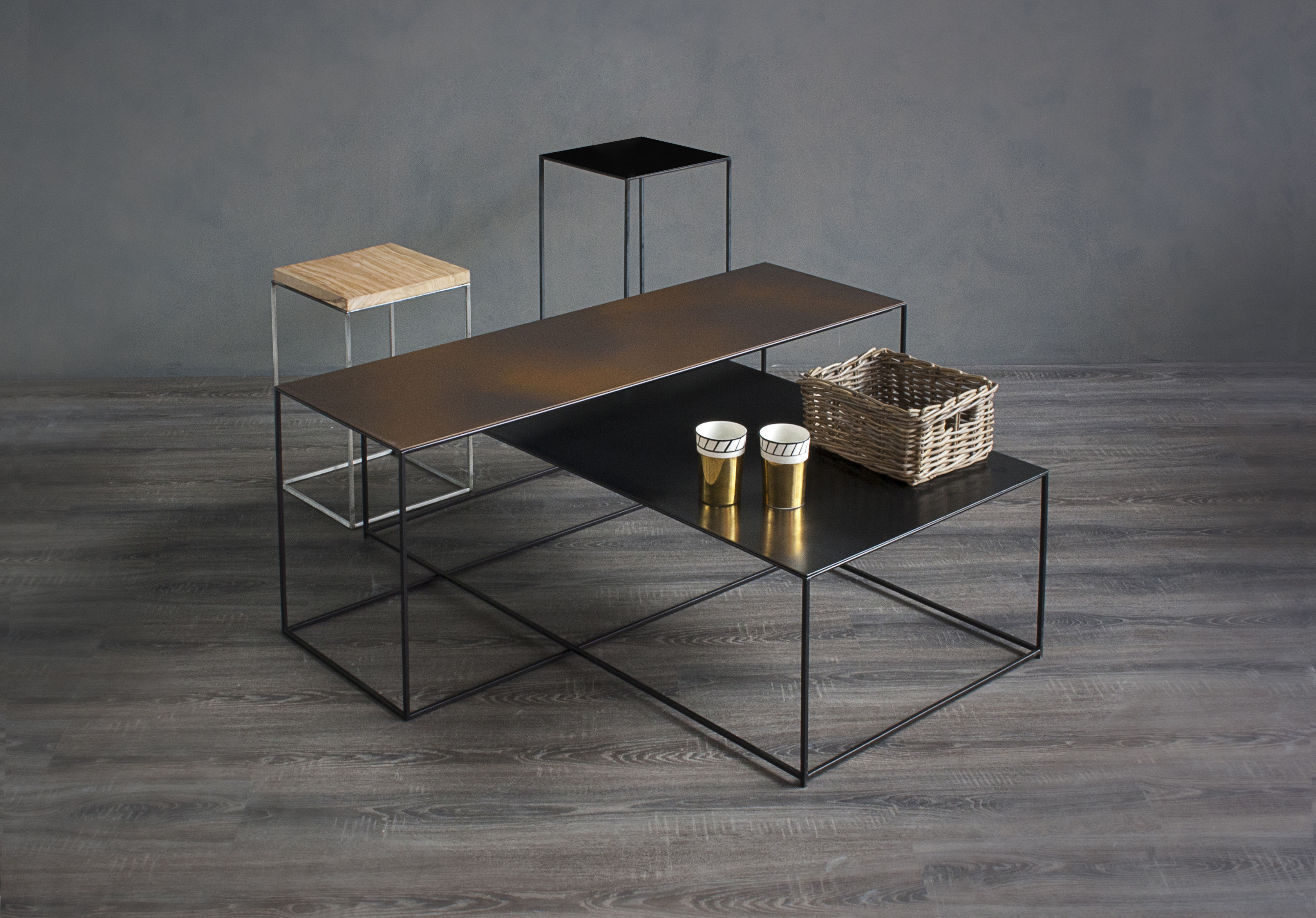 Slim Irony Supplement table Rust top  Copper black leg by Zeus -> Table Basse Verre Et Metal Noir