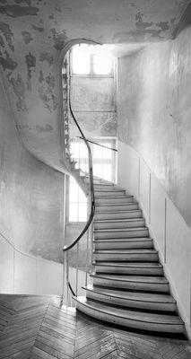Foto Sticker Escalier typiquement tournant di Maison Martin Margiela - Bianco,Grigio - Carta