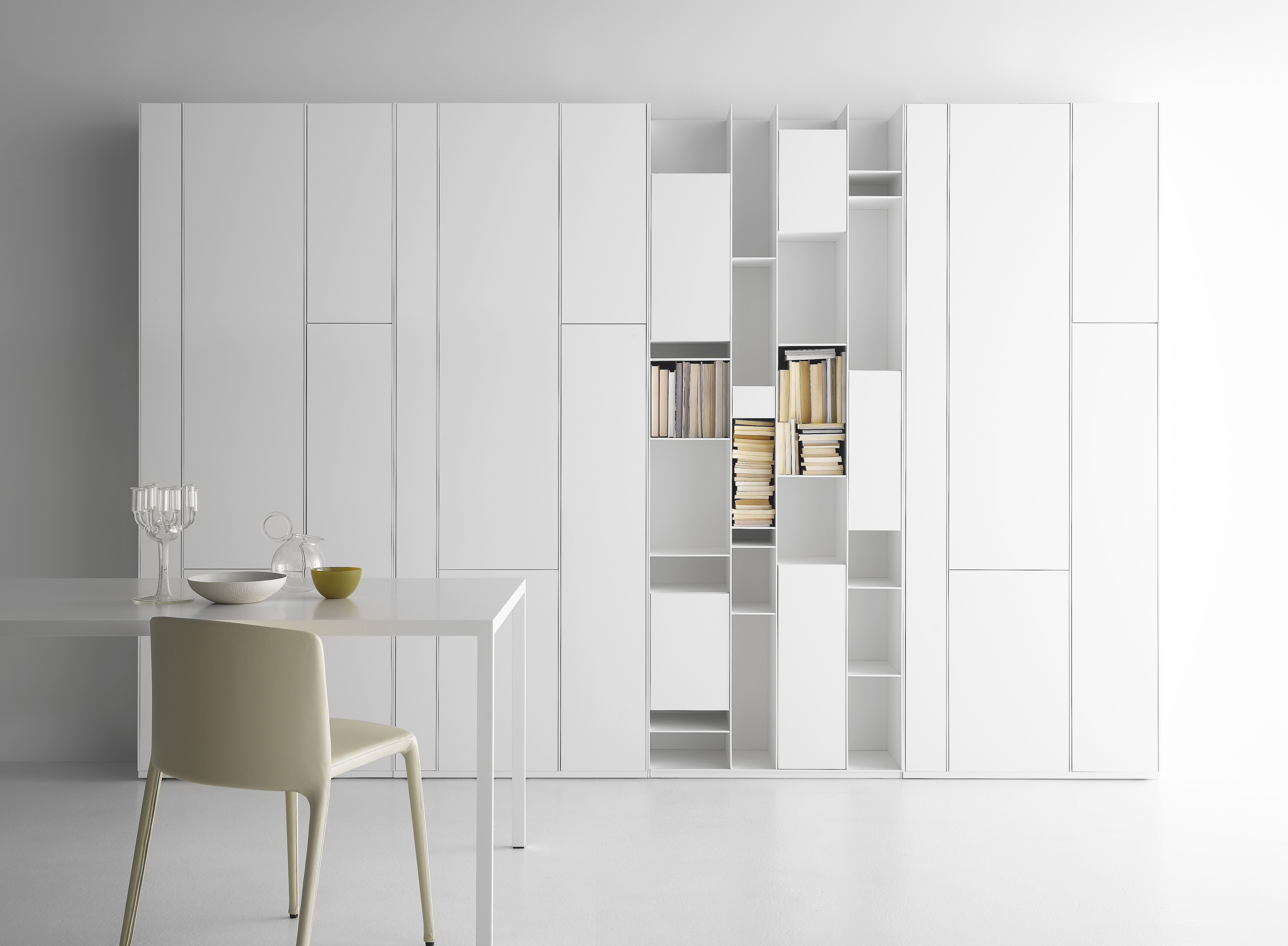 biblioth que random cabinet laqu blanc mdf italia. Black Bedroom Furniture Sets. Home Design Ideas