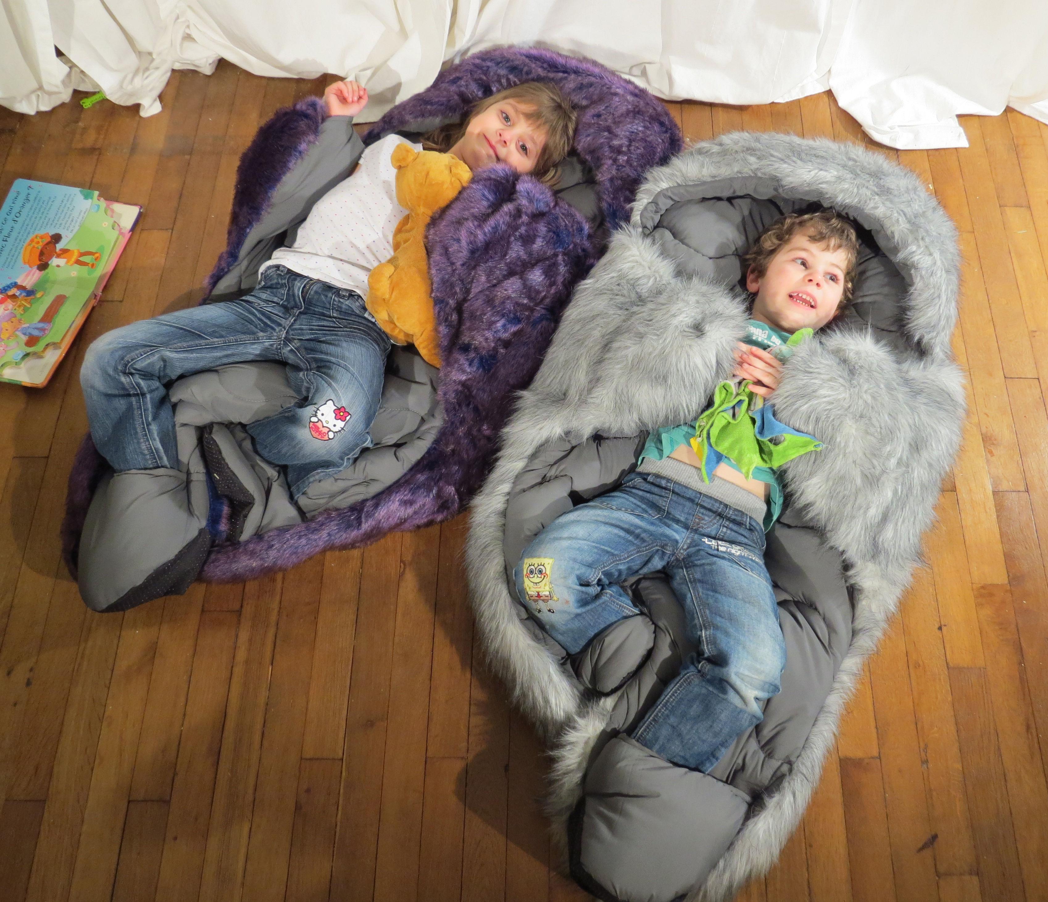 couette enfant hibernatus doudou d guisement exclusivit violet int rieur gris fonc. Black Bedroom Furniture Sets. Home Design Ideas
