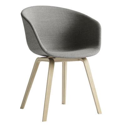 Foto Poltrona imbottita About a chair - versione tessuto - 4 gambe di Hay - Grigio medio,Legno chiaro - Tessuto