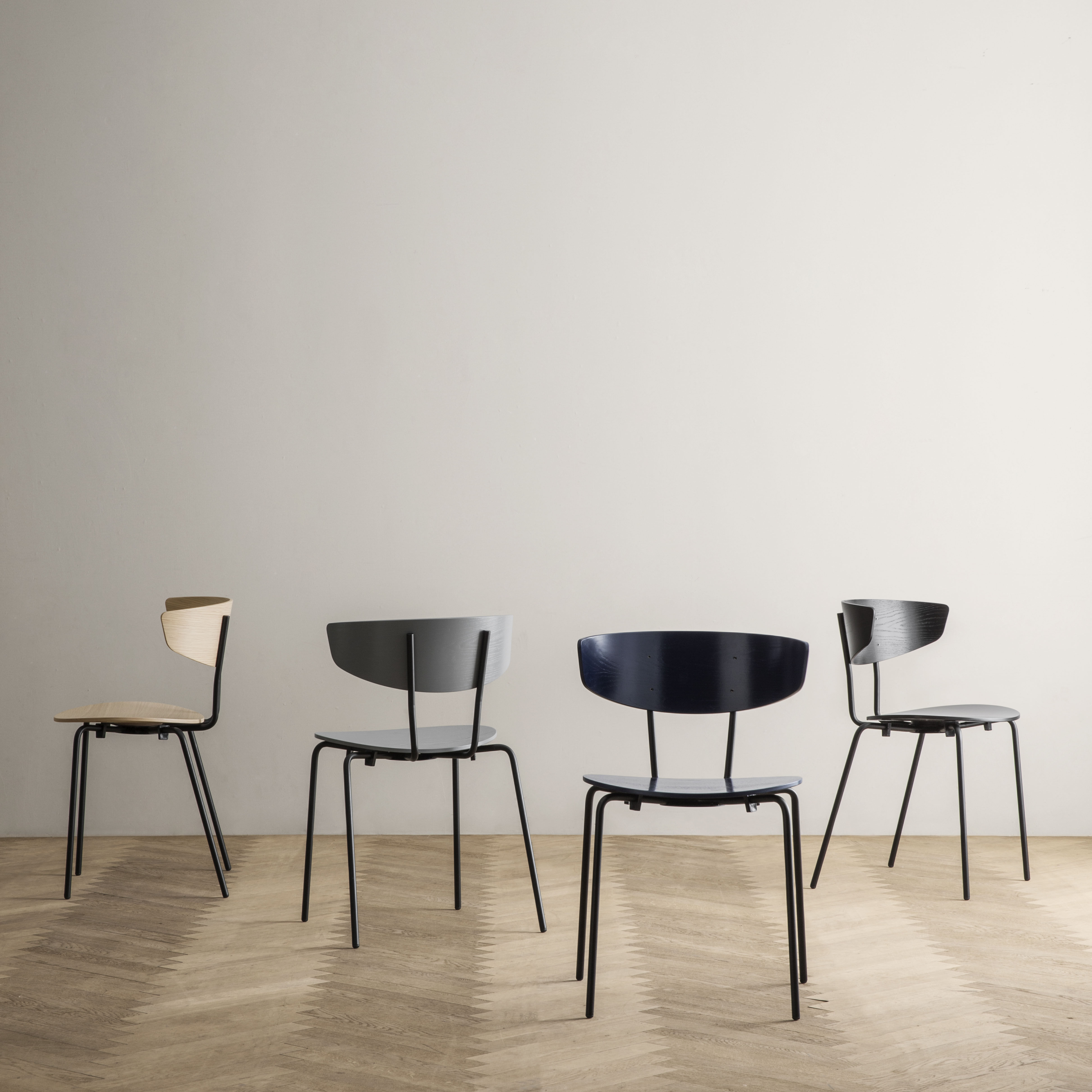 herman holz metall ferm living stapelbarer stuhl. Black Bedroom Furniture Sets. Home Design Ideas