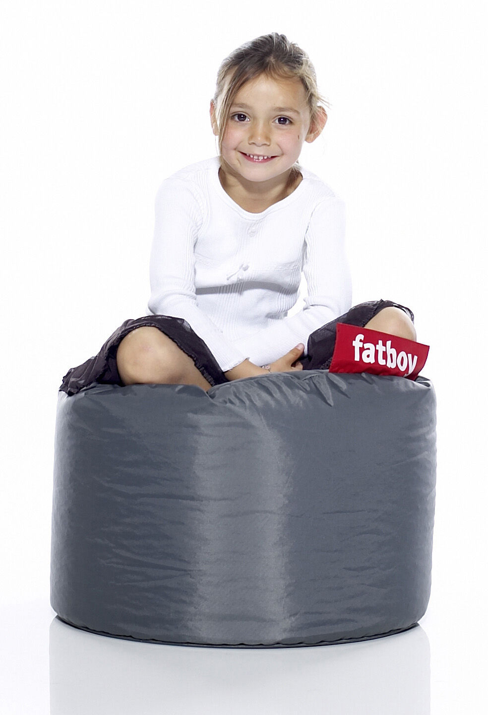 point pouf dark grey by fatboy. Black Bedroom Furniture Sets. Home Design Ideas