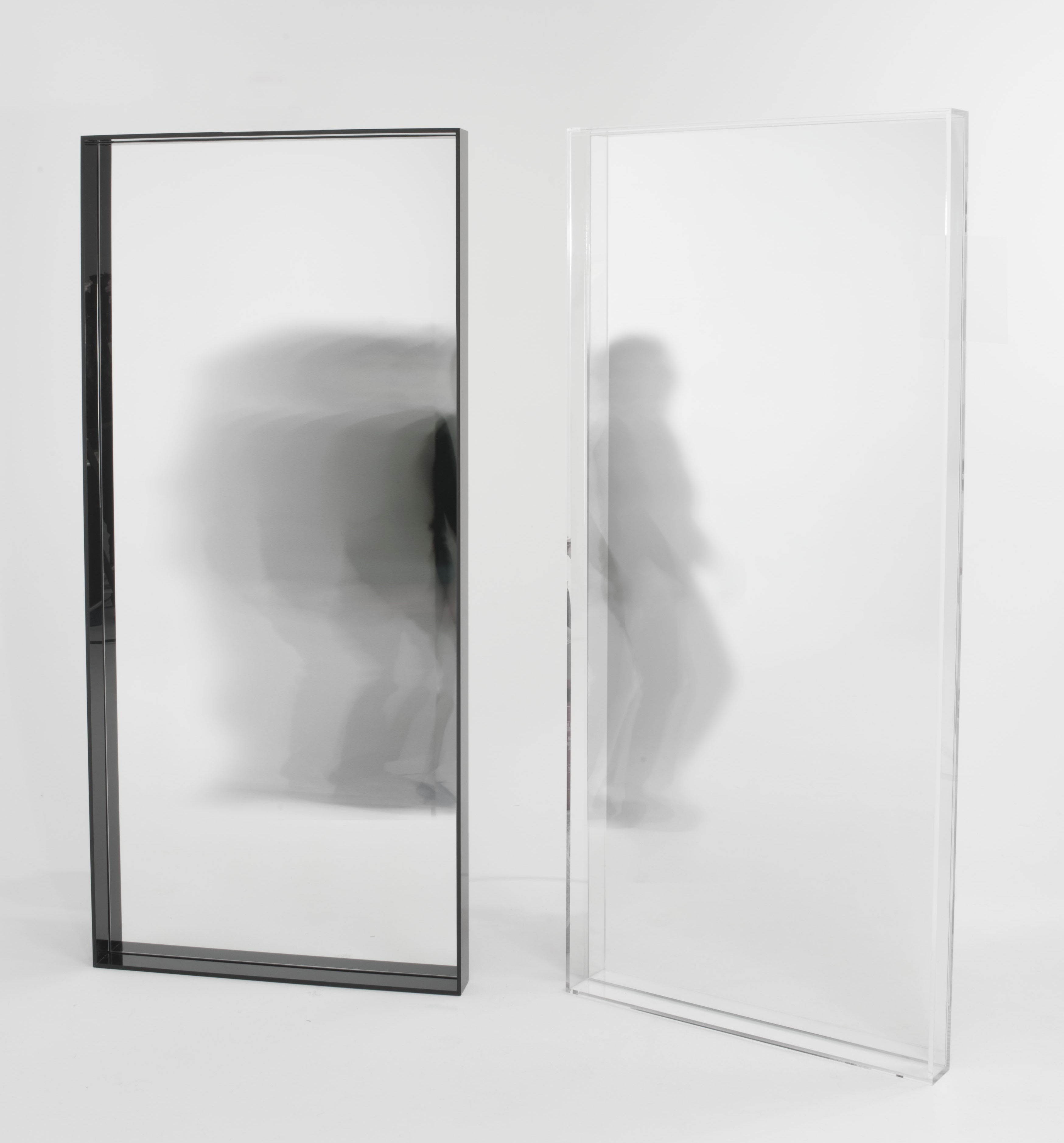 Miroir only me l 80 x h 180 cm noir kartell for Miroir kartell starck