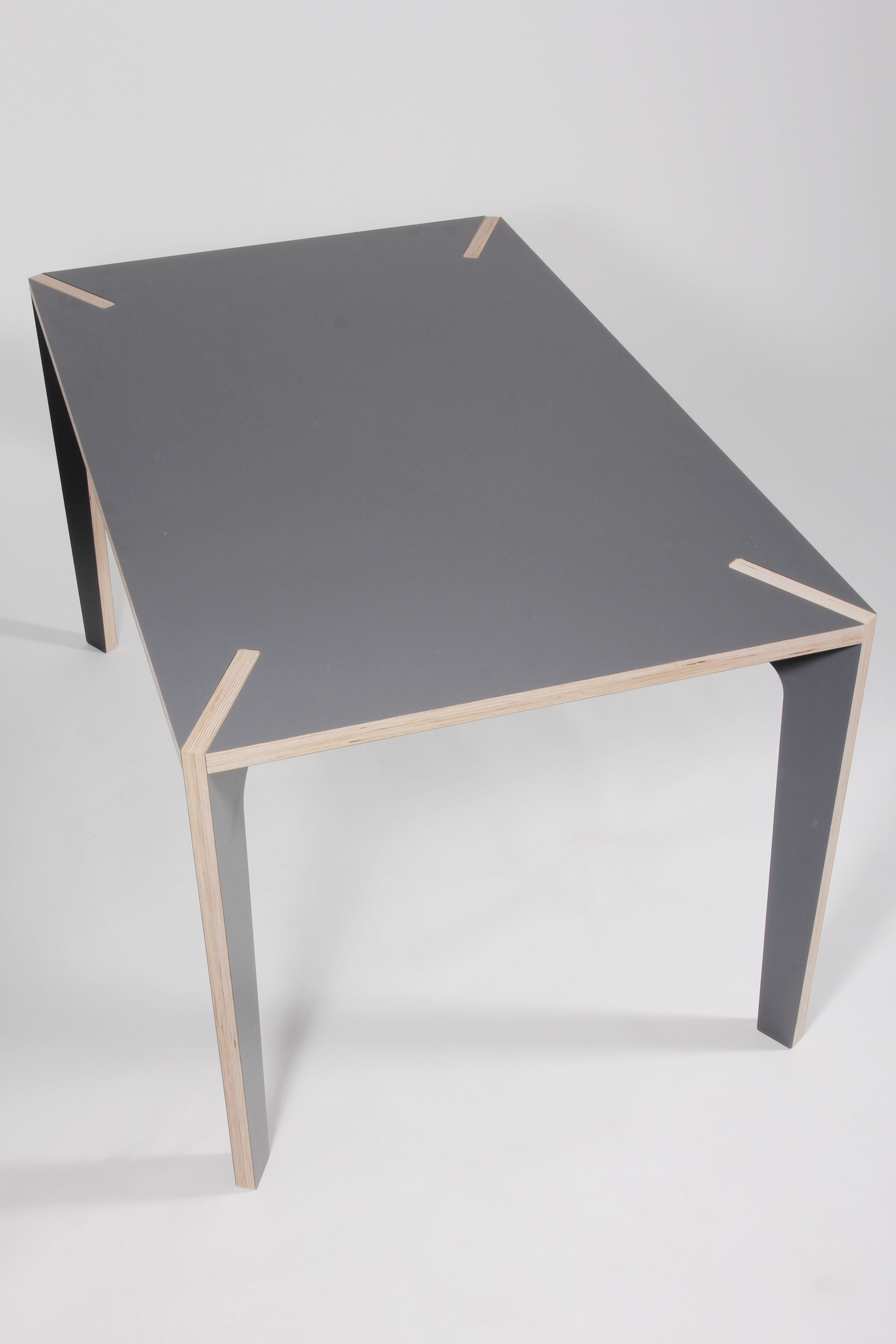 Table s rie x 140 x 85 cm 140 x 85 cm gris basalte for Serie a table 1984 85