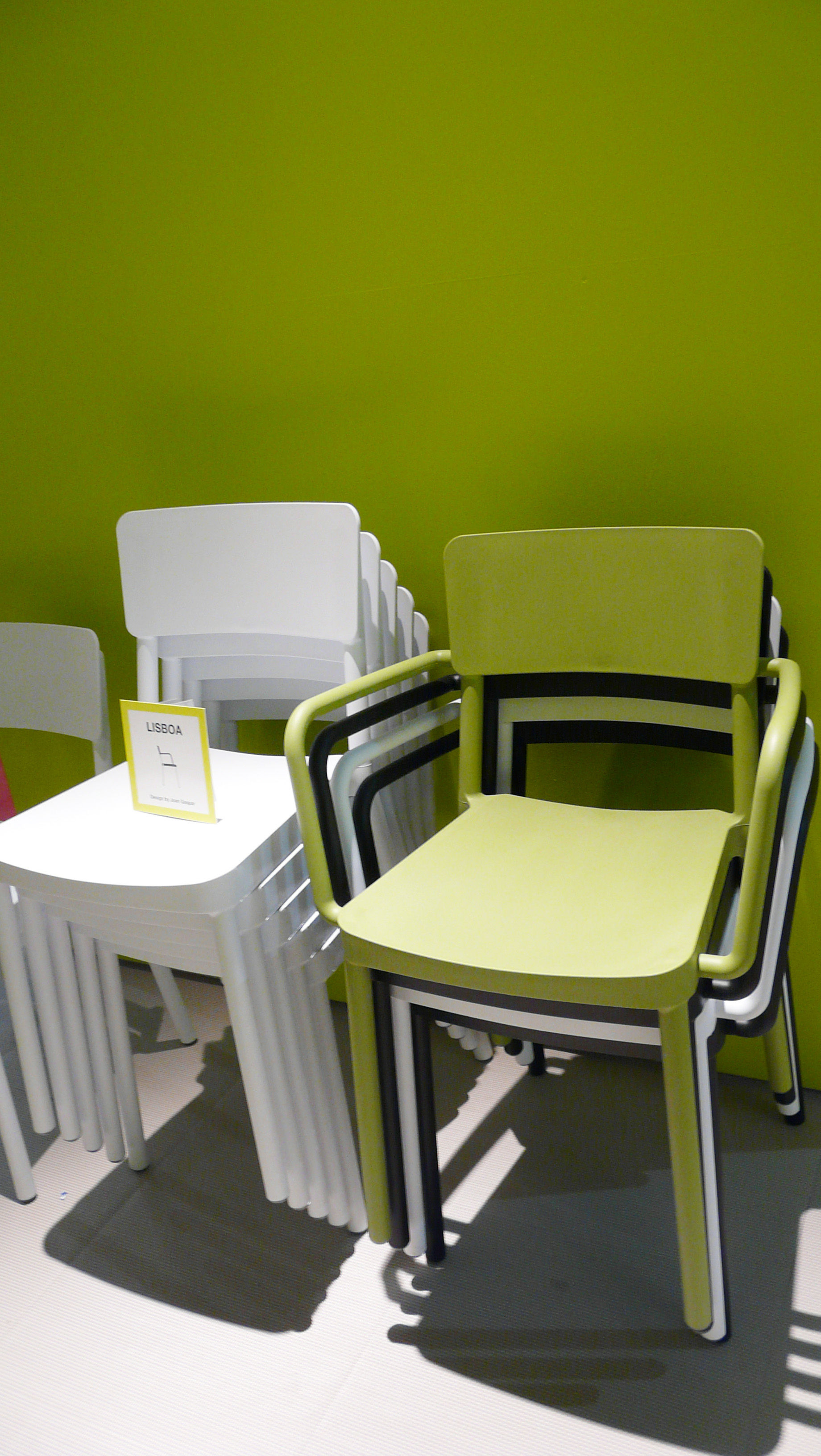 Lisboa chair olive green by serralunga for Serralunga furniture