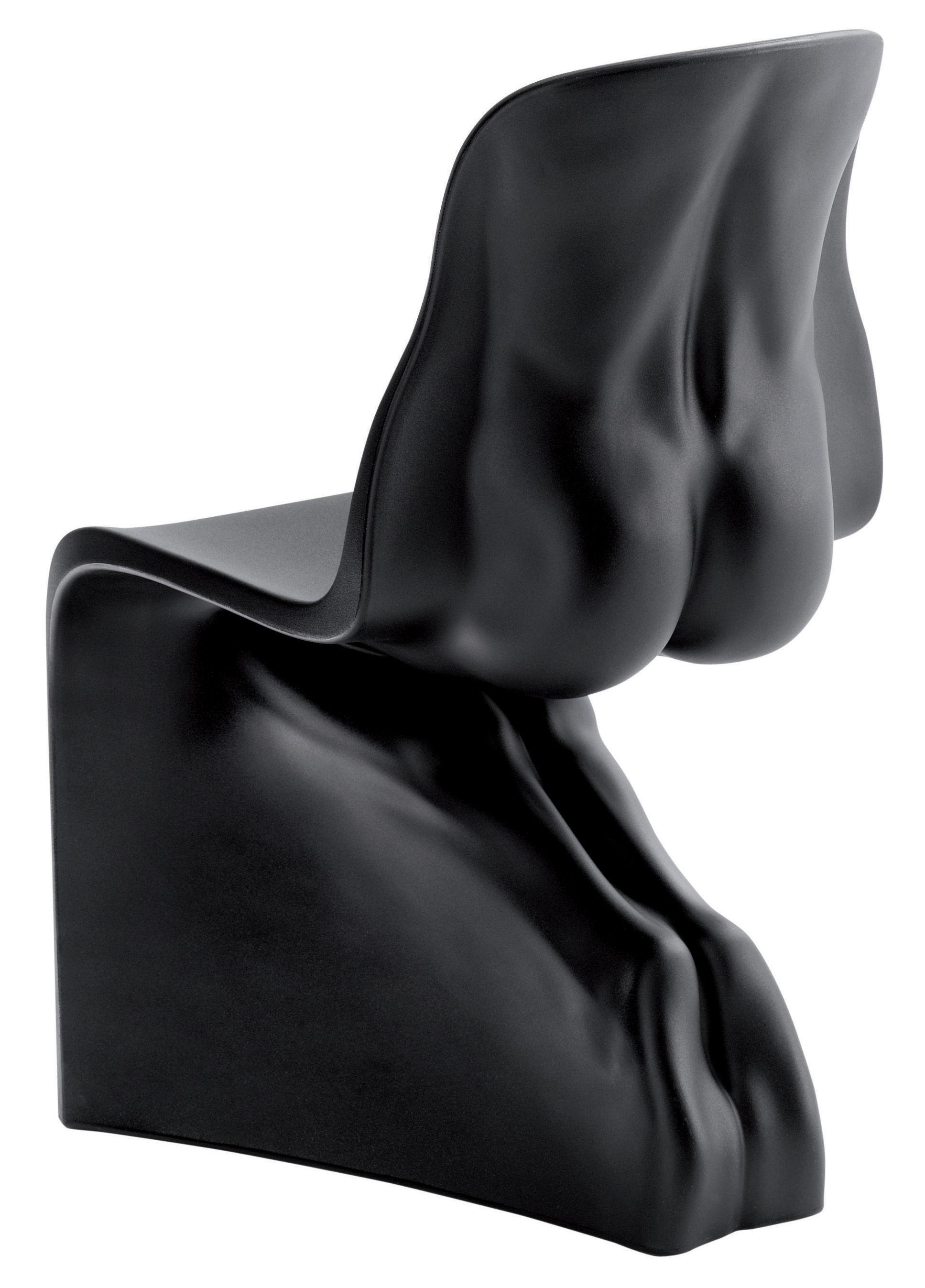 Chaise him plastique noir casamania for Chaise plastique noir