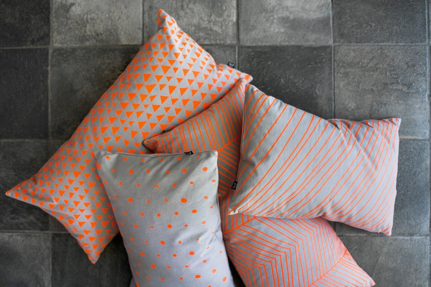 coussin striped small 60x40 cm orange gris ferm living. Black Bedroom Furniture Sets. Home Design Ideas