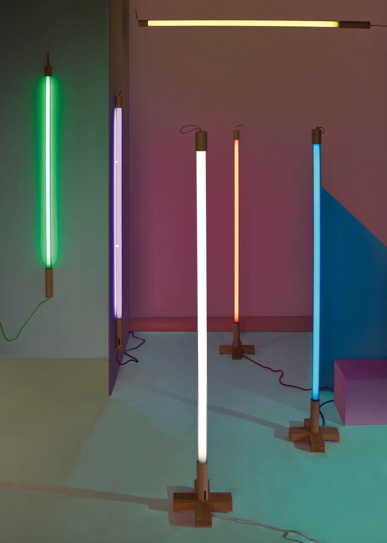 linea wall light neon l 140 cm white by seletti. Black Bedroom Furniture Sets. Home Design Ideas