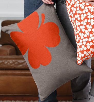 Coussin d 39 ext rieur tr fle 44x30 cm taupe motif orange for Tissu pour coussin exterieur