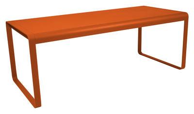 Scopri tavolo bellevie l 196 cm 8 a 10 persone carota di fermob made in design italia - Tavolo 10 persone ...