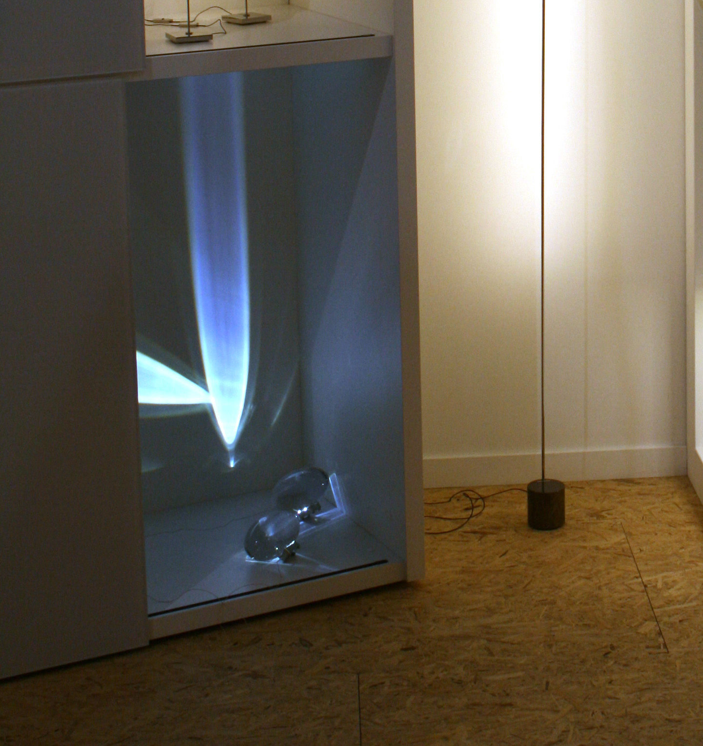 lampe de table atman led transparent catellani smith. Black Bedroom Furniture Sets. Home Design Ideas