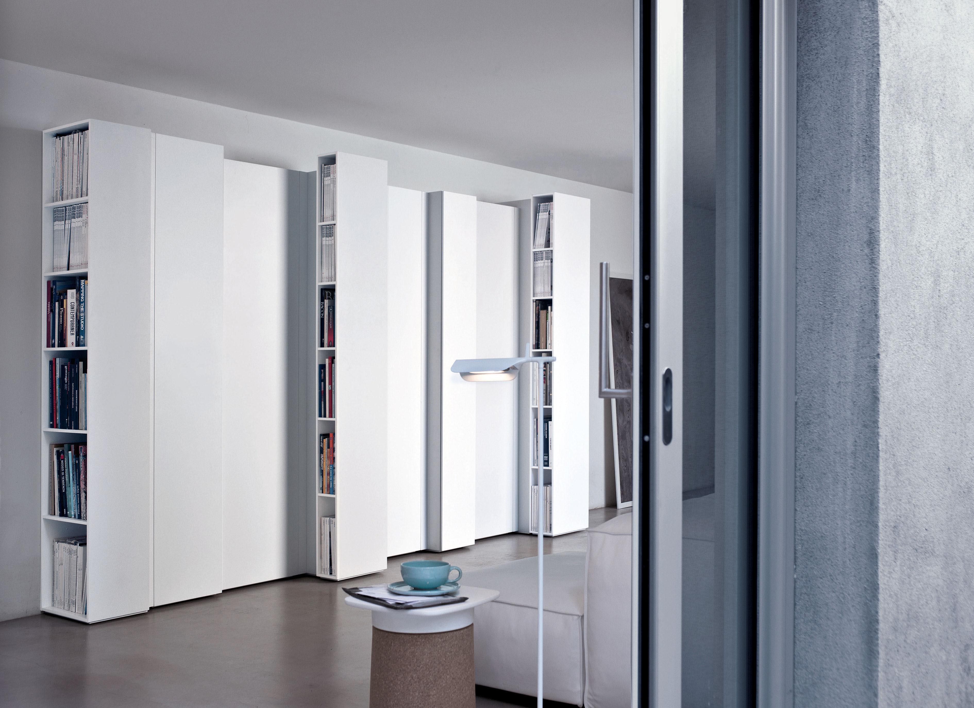 biblioth que blio l ment a laqu blanc kristalia. Black Bedroom Furniture Sets. Home Design Ideas
