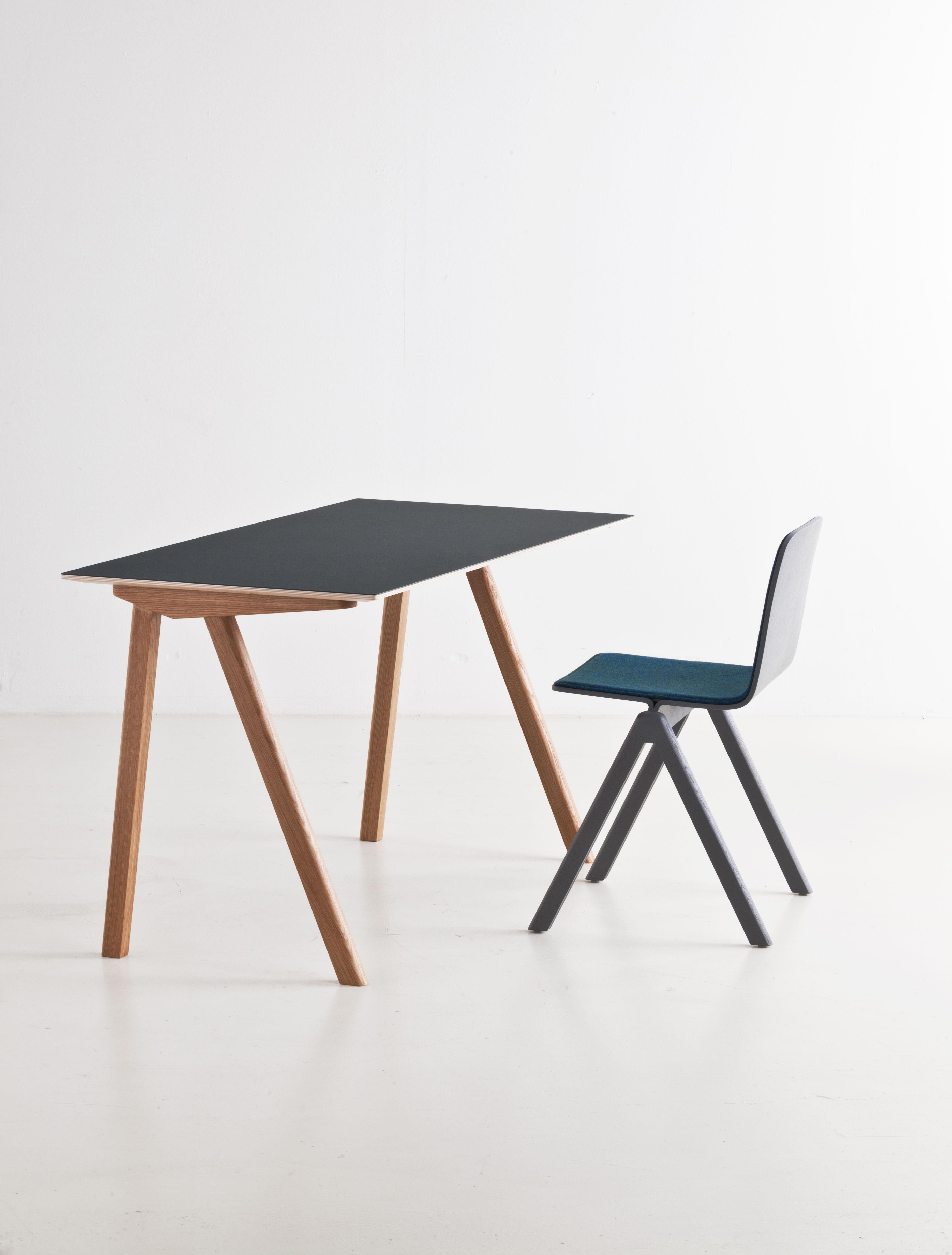 copenhague schreibtisch modell 90 hay dunkelgr n eiche. Black Bedroom Furniture Sets. Home Design Ideas