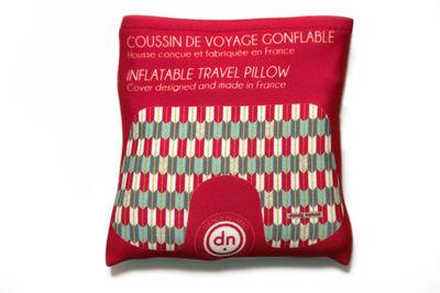 coussin de voyage american authentic gonflable avec pochette de rangement rouge dandy nomad. Black Bedroom Furniture Sets. Home Design Ideas