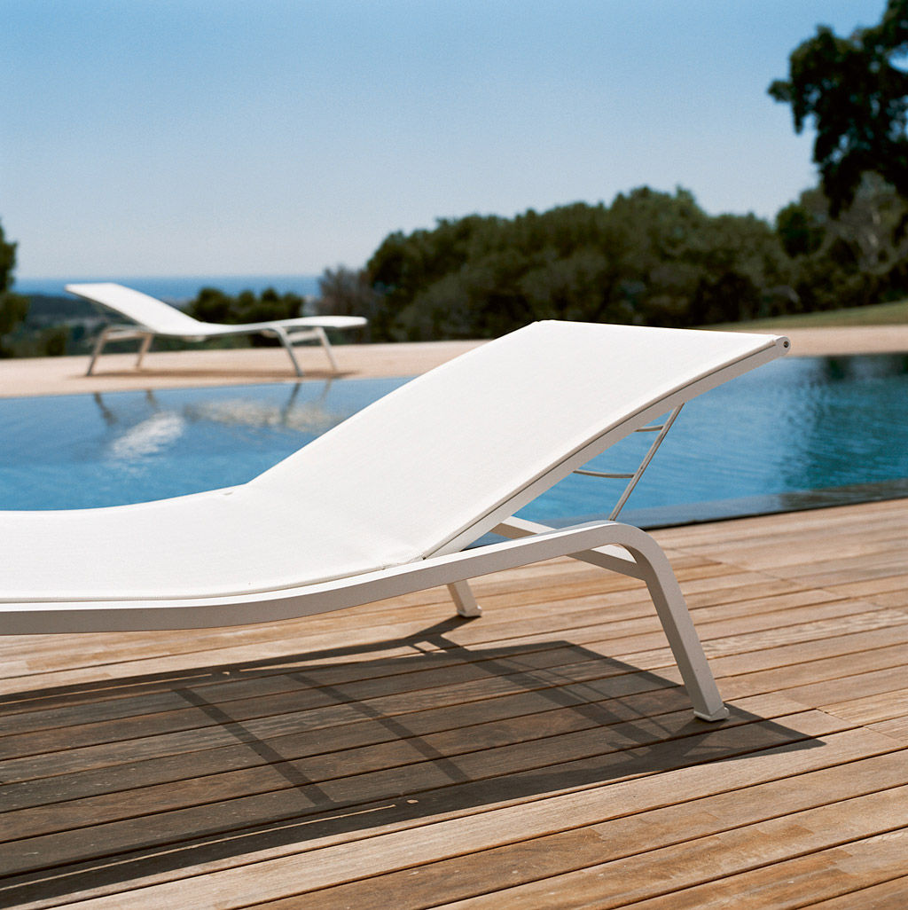 bain de soleil aliz larg 80 cm 3 positions fermob aubergine chin fermob. Black Bedroom Furniture Sets. Home Design Ideas