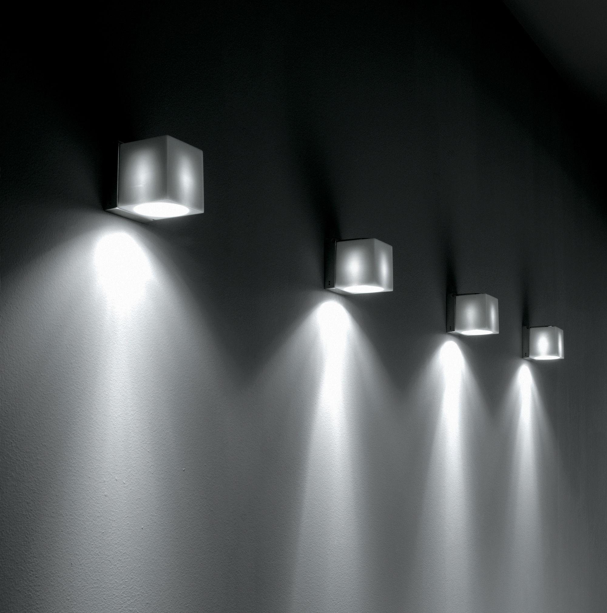 cubetto crystal deckenleuchte verstellbar fabbian wandleuchte. Black Bedroom Furniture Sets. Home Design Ideas