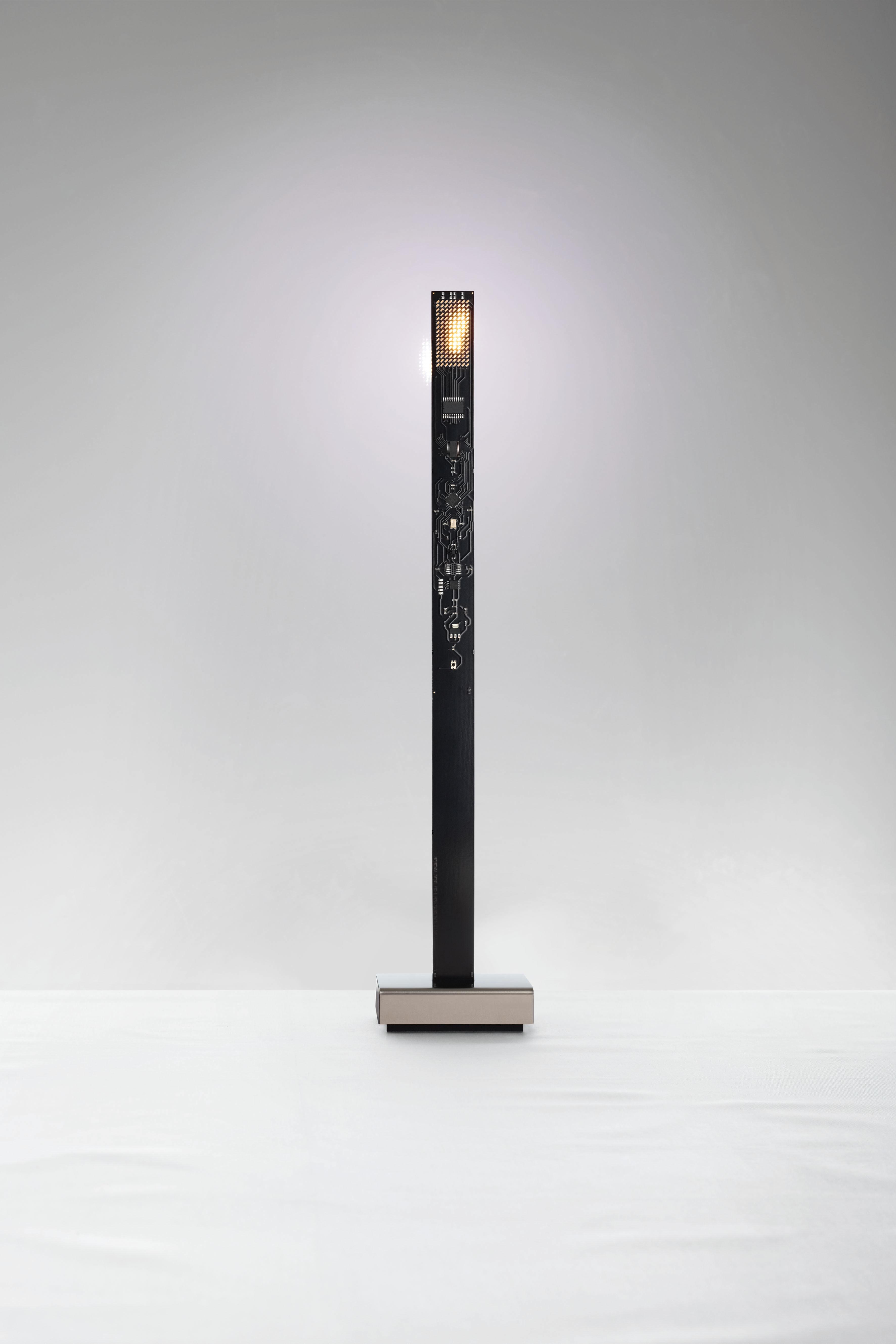 lampe my new flame h 40 cm bougie led noir ingo maurer. Black Bedroom Furniture Sets. Home Design Ideas