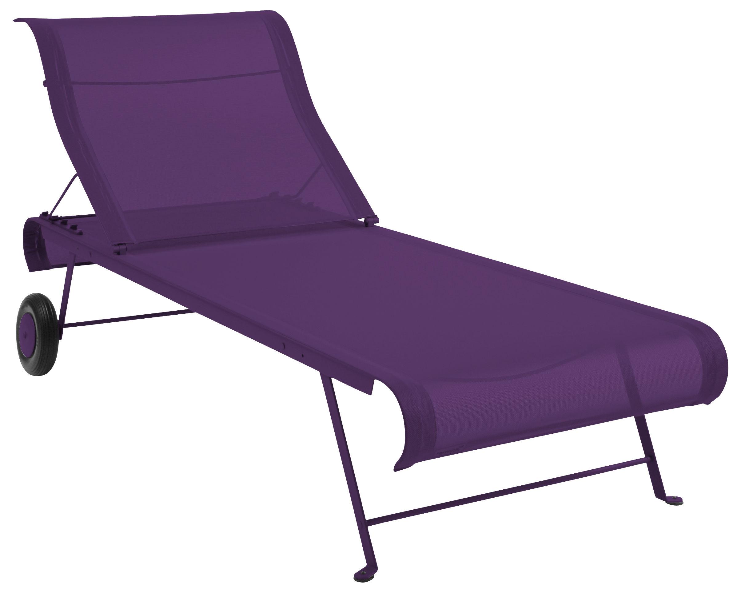 scopri chaise longue dune melanzana di fermob made in design italia. Black Bedroom Furniture Sets. Home Design Ideas