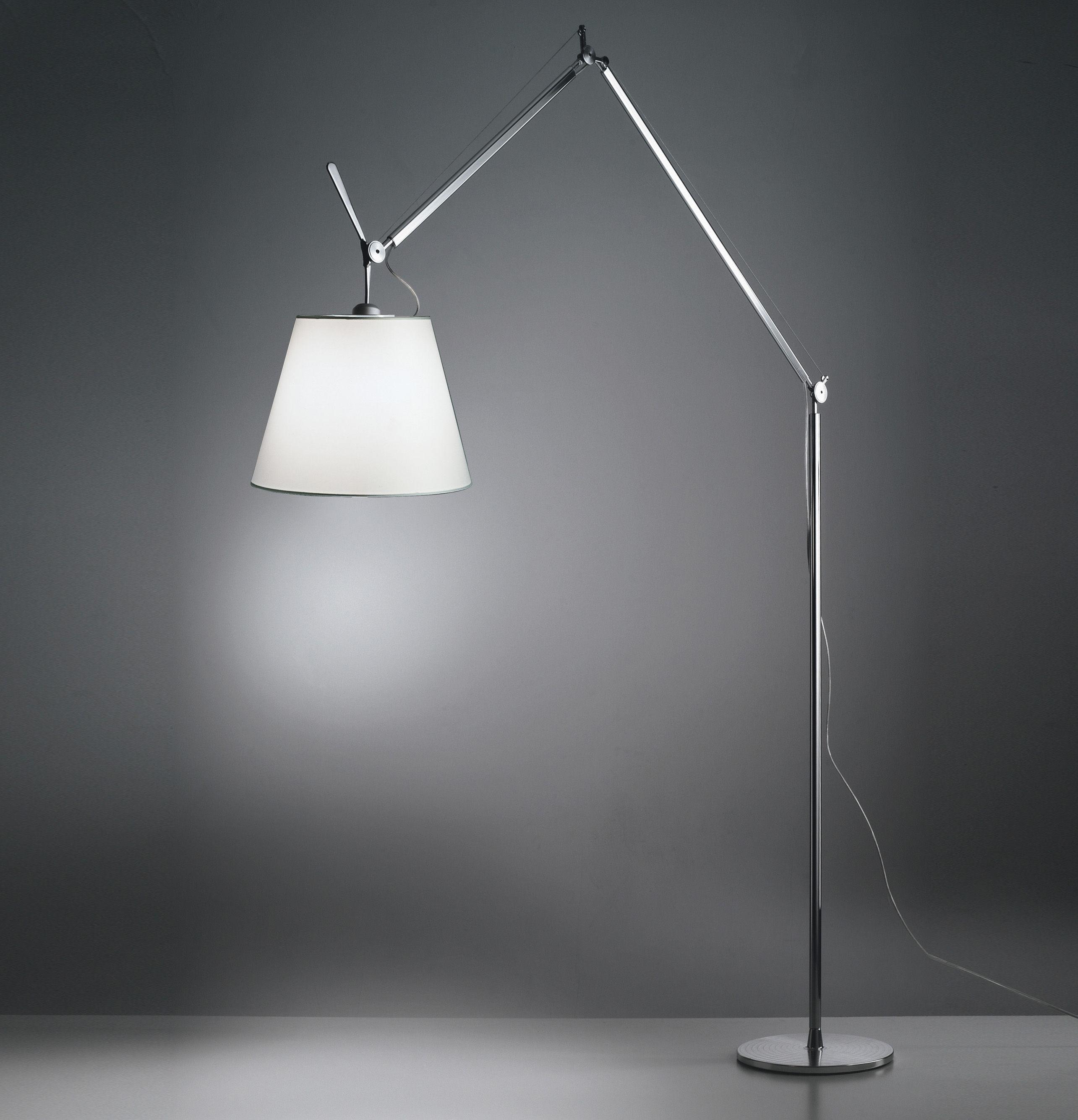 forum lampada da terra per zona soggiorno. Black Bedroom Furniture Sets. Home Design Ideas