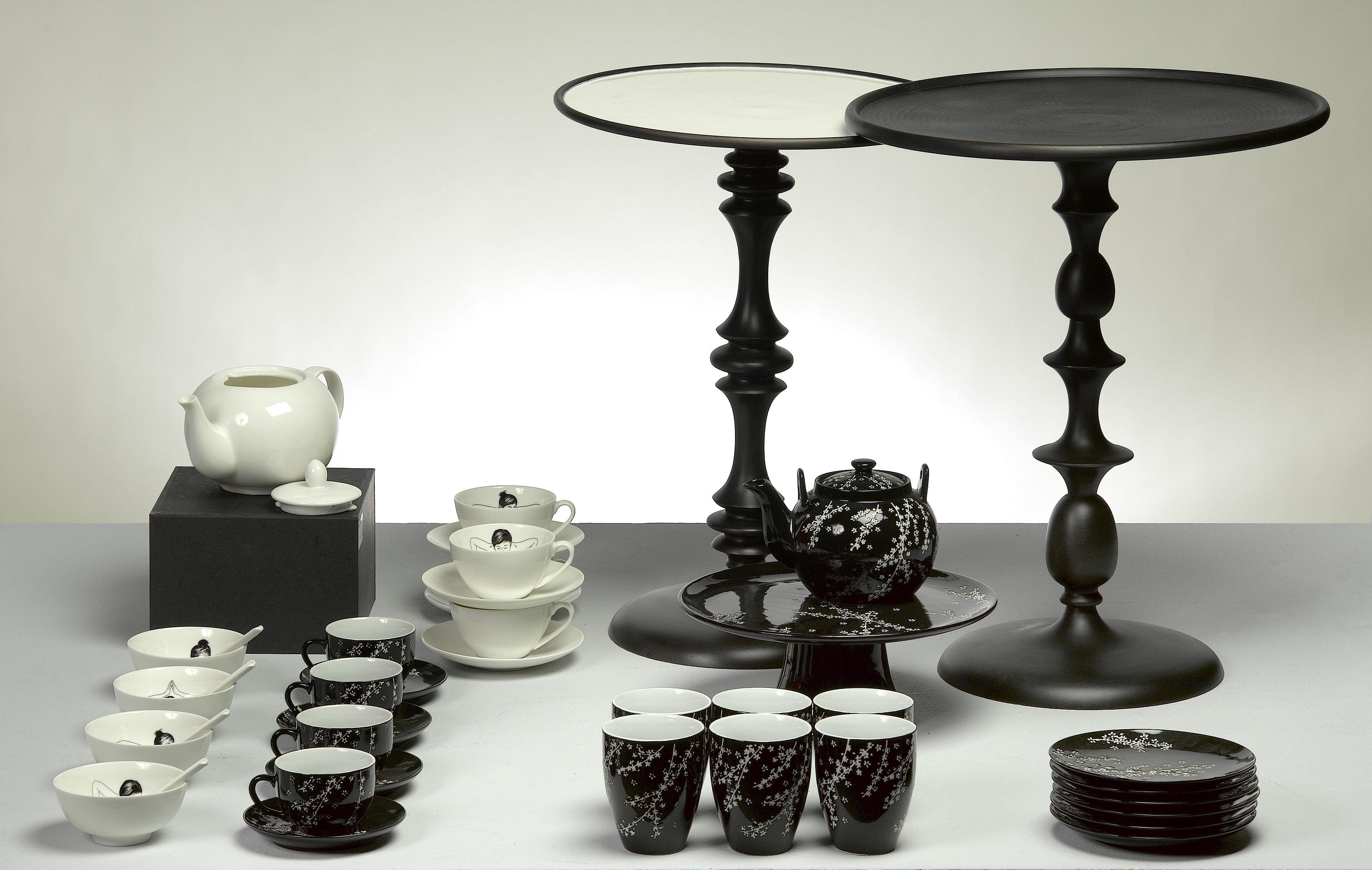 enamel supplement table red by pols potten. Black Bedroom Furniture Sets. Home Design Ideas