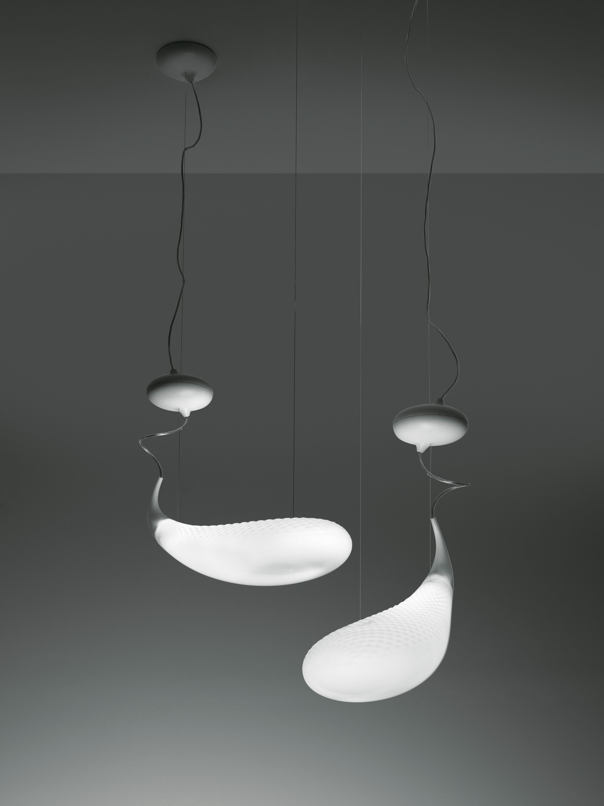 Scopri sospensione cosmic mugg l 74 cm di artemide made for Artemide illuminazione