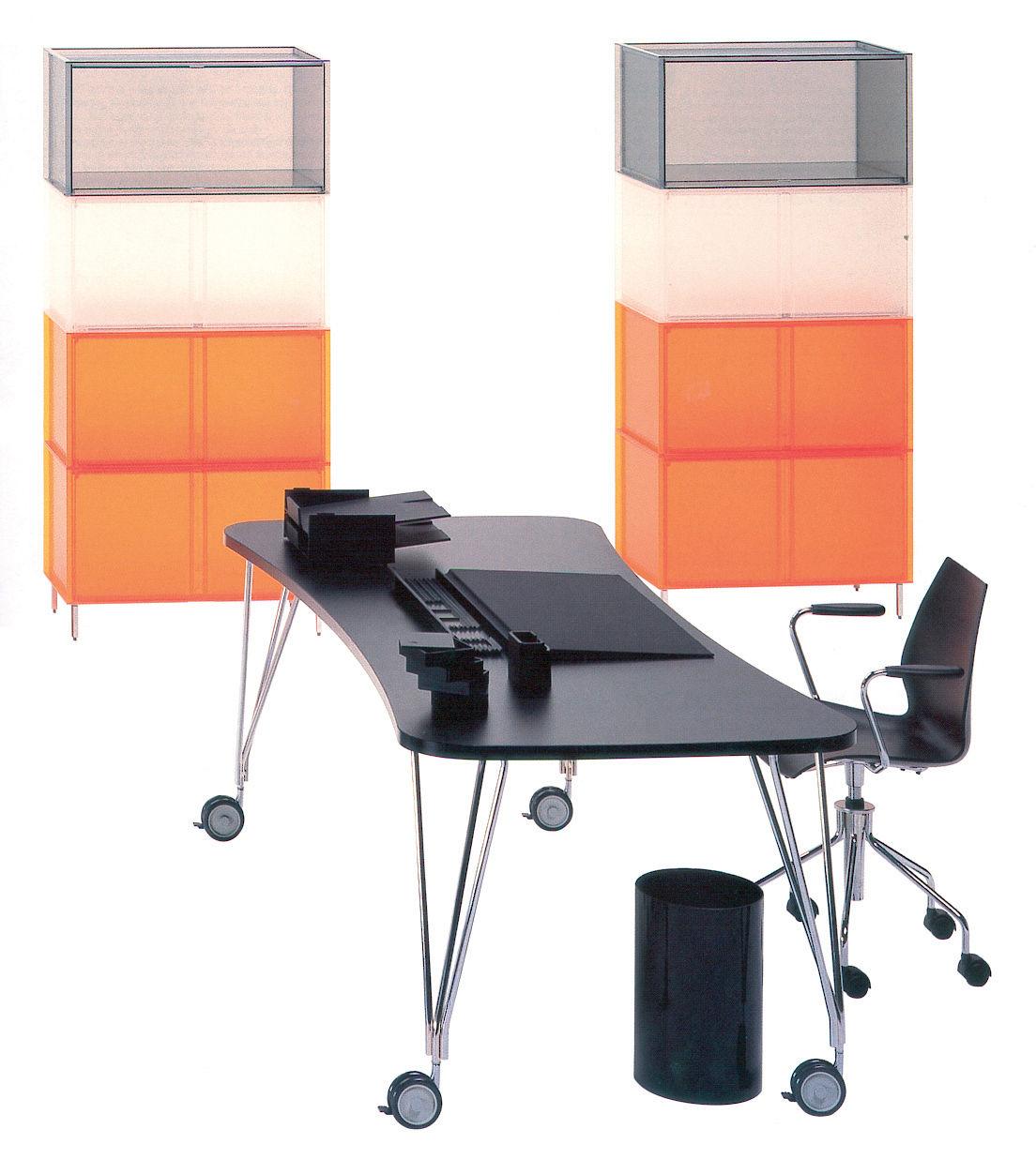 Table max bureau roulettes l 160 cm blanc kartell for Bureau kartell