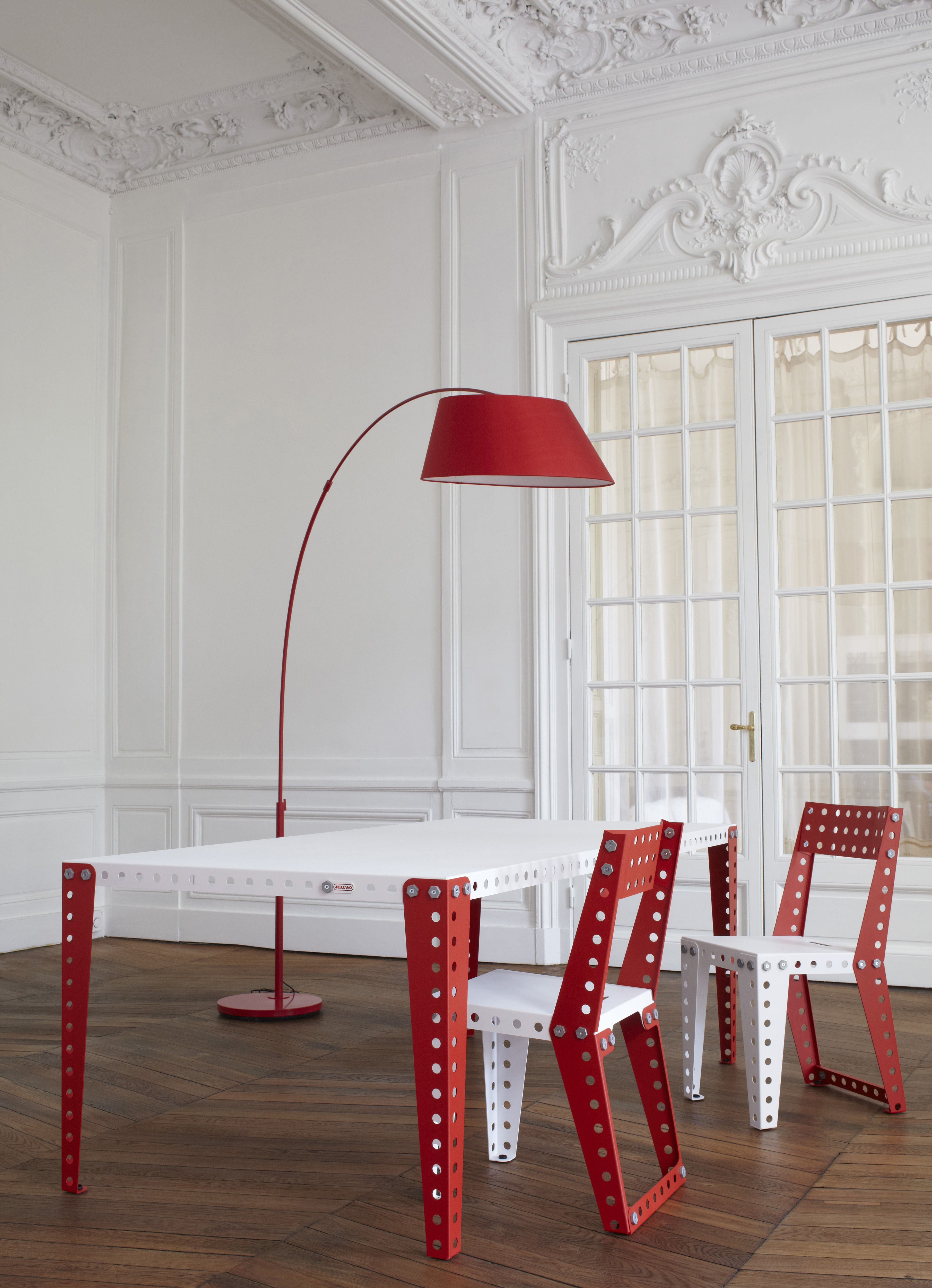 table 200 x 100 cm blanc pieds rouges meccano home. Black Bedroom Furniture Sets. Home Design Ideas