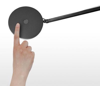 lampe de table demetra led avec d tecteur de pr sence gris artemide. Black Bedroom Furniture Sets. Home Design Ideas