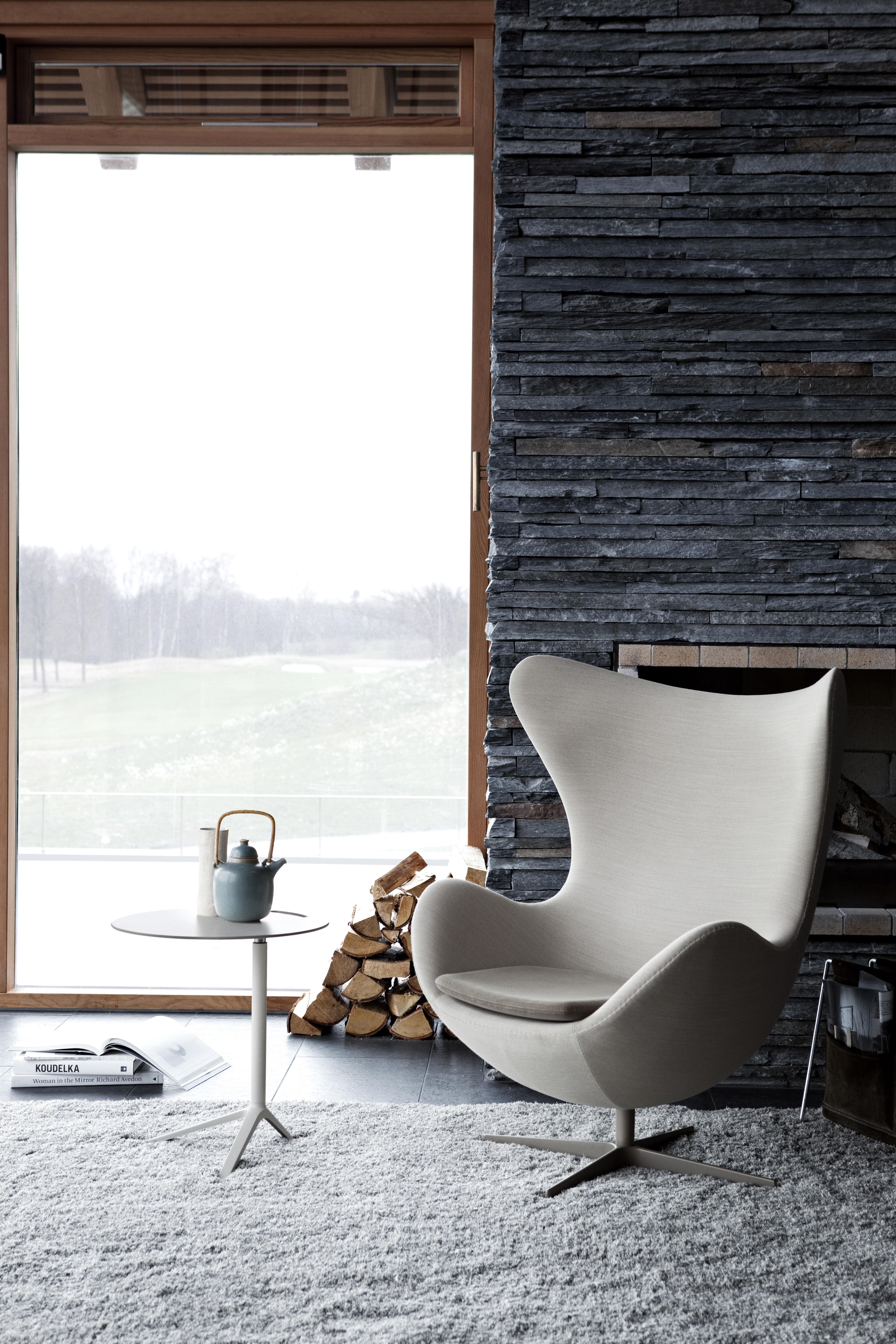 egg chair swivel armchair kvadrat divina fabric red by fritz hansen. Black Bedroom Furniture Sets. Home Design Ideas
