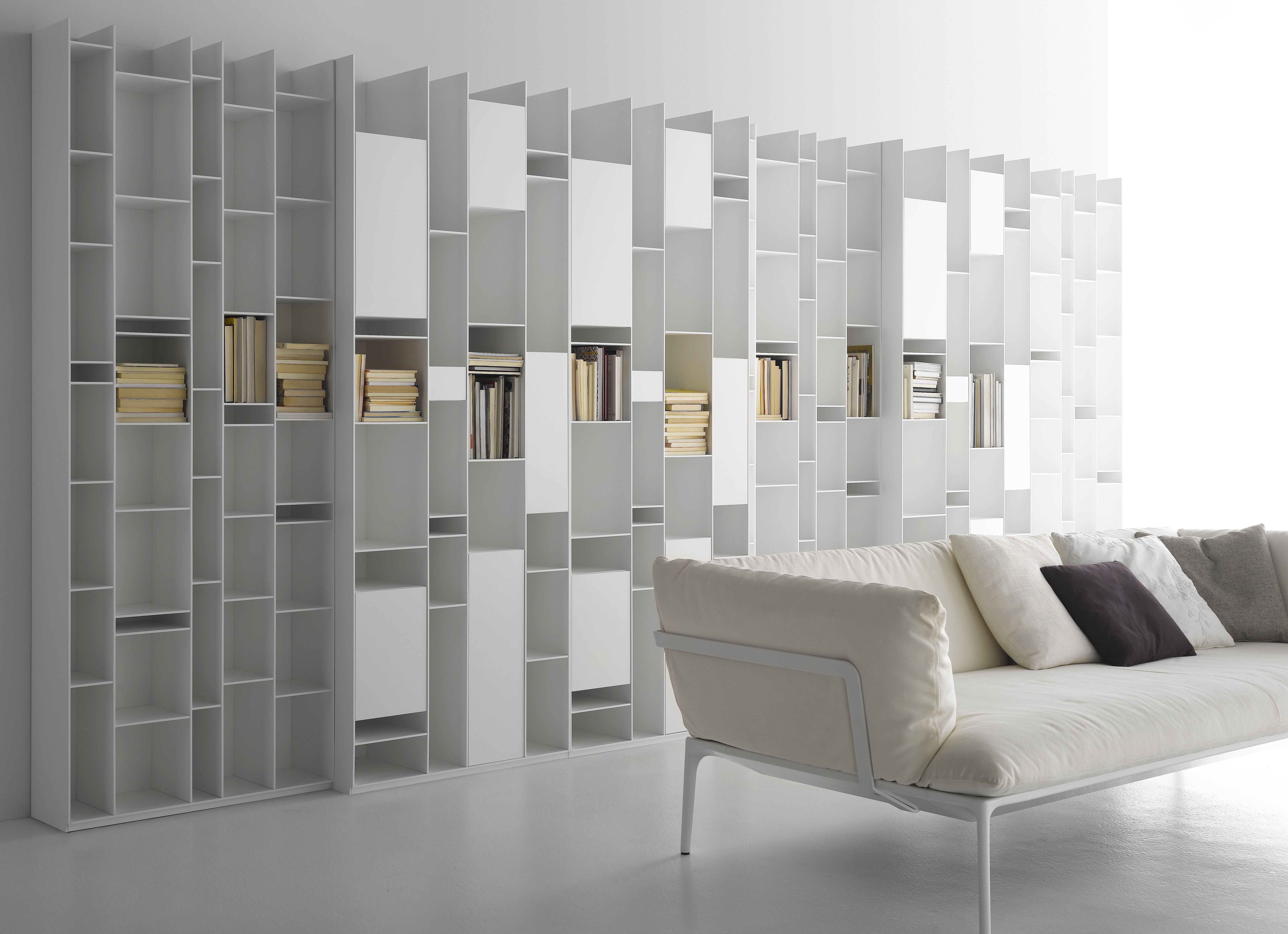 Random Box Bookcase Bookcase White Lacquered By Mdf Italia # Bibliotheque Design Blanc