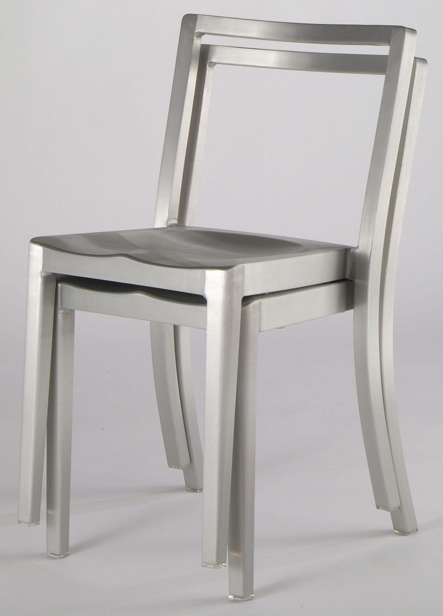 Icon outdoor sedia alluminio opaco by emeco made in design for Sedie in alluminio