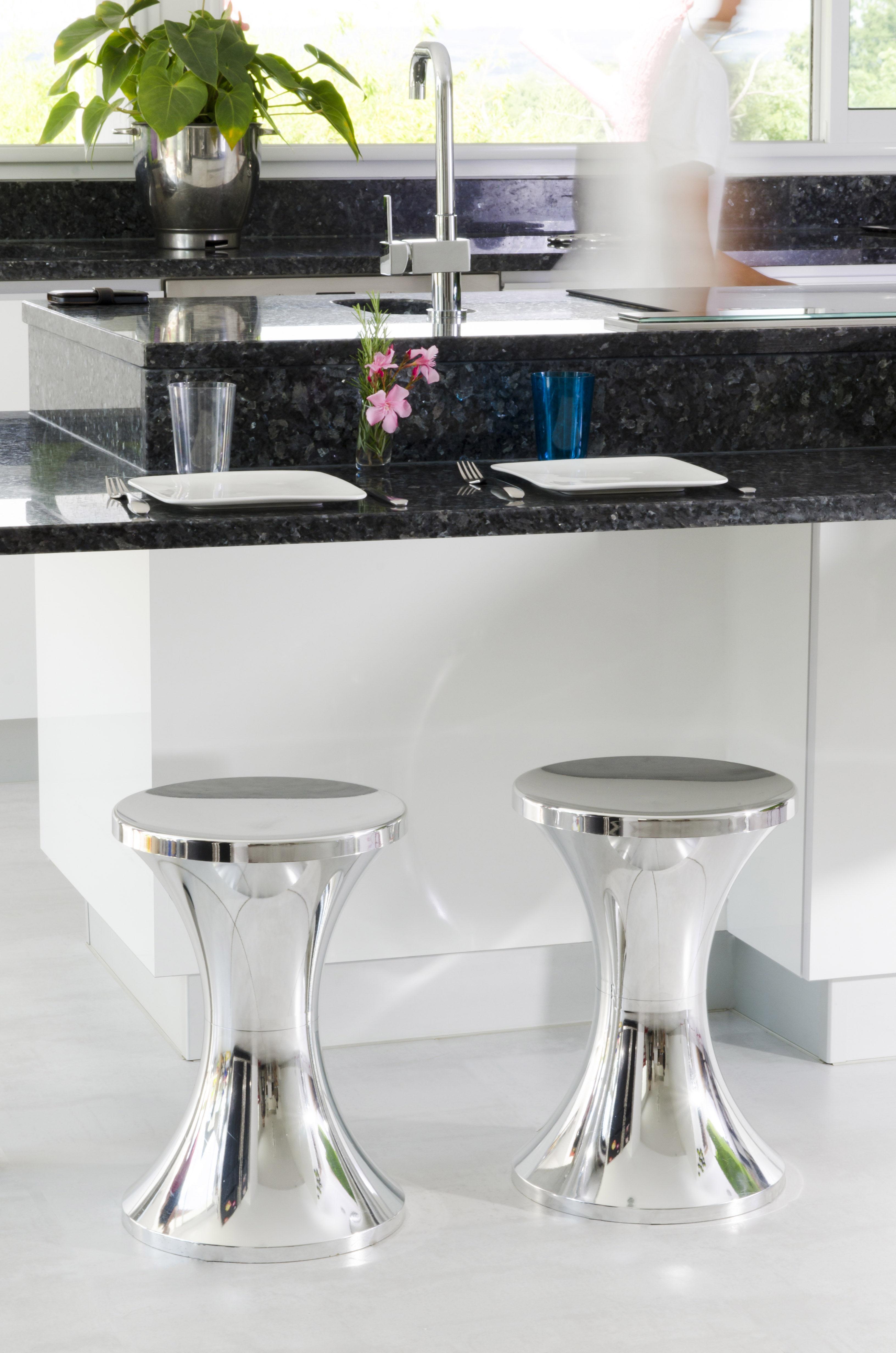 tam tam pop hocker kunststoff kupferfarben by stamp edition made in design. Black Bedroom Furniture Sets. Home Design Ideas