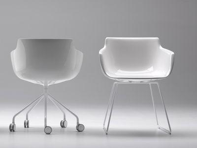 fauteuil flow pied traineau blanc brillant pi tement blanc mdf italia. Black Bedroom Furniture Sets. Home Design Ideas