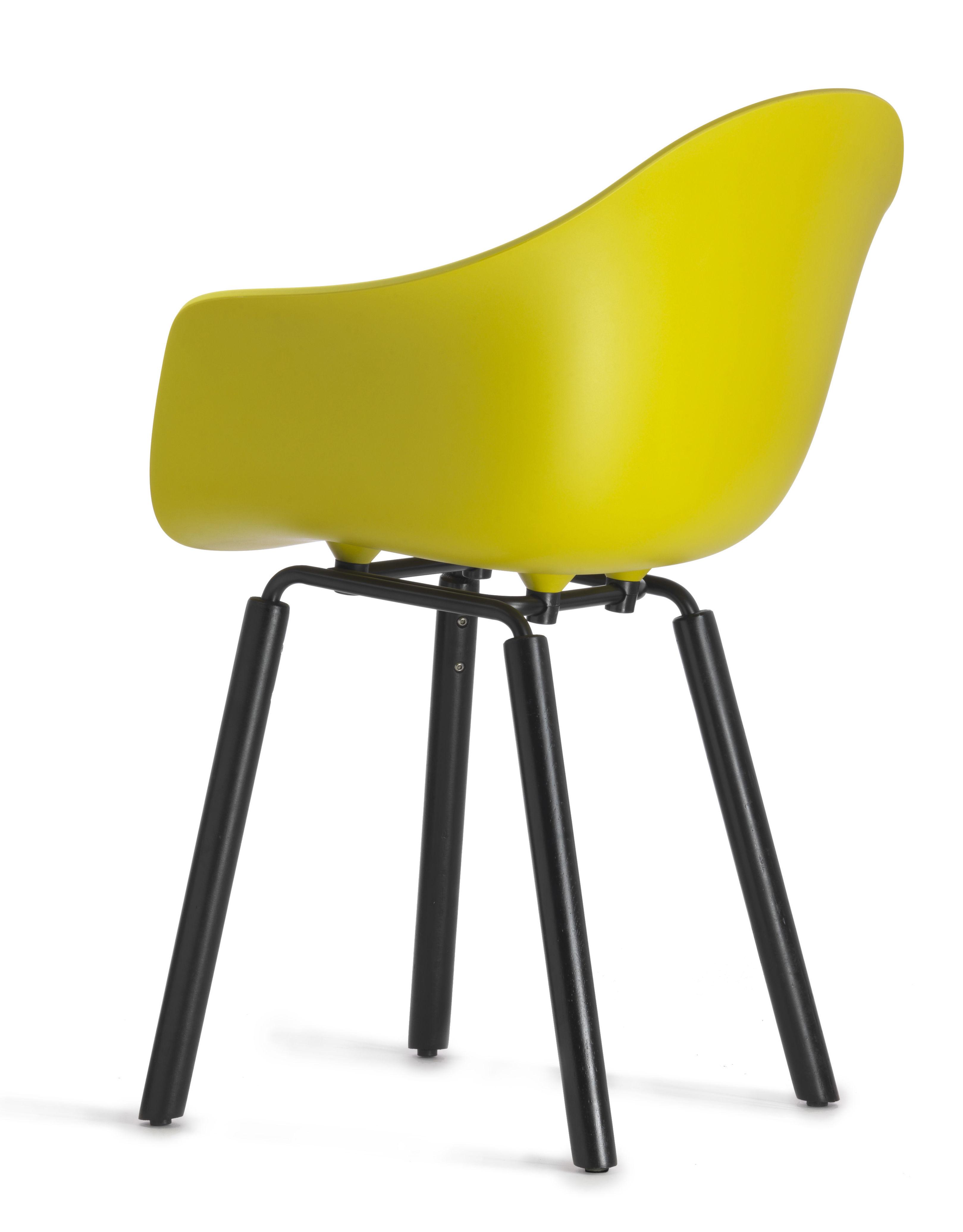 fauteuil ta pieds bois jaune moutarde pieds noirs toou. Black Bedroom Furniture Sets. Home Design Ideas