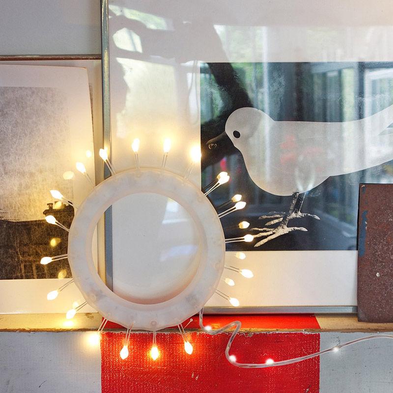 lampe fleur de givre led fixation murale blanc c ble transparent ts ts. Black Bedroom Furniture Sets. Home Design Ideas