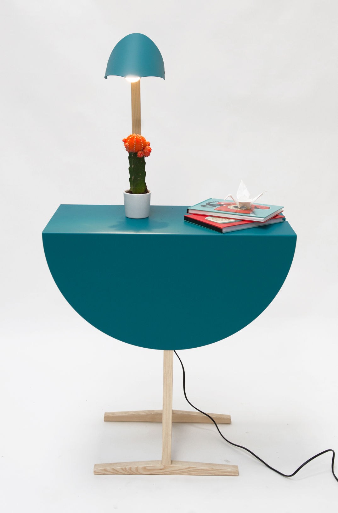 table d 39 appoint ostrich lampe int gr e bleu turquoise fr ne clair valsecchi 1918. Black Bedroom Furniture Sets. Home Design Ideas