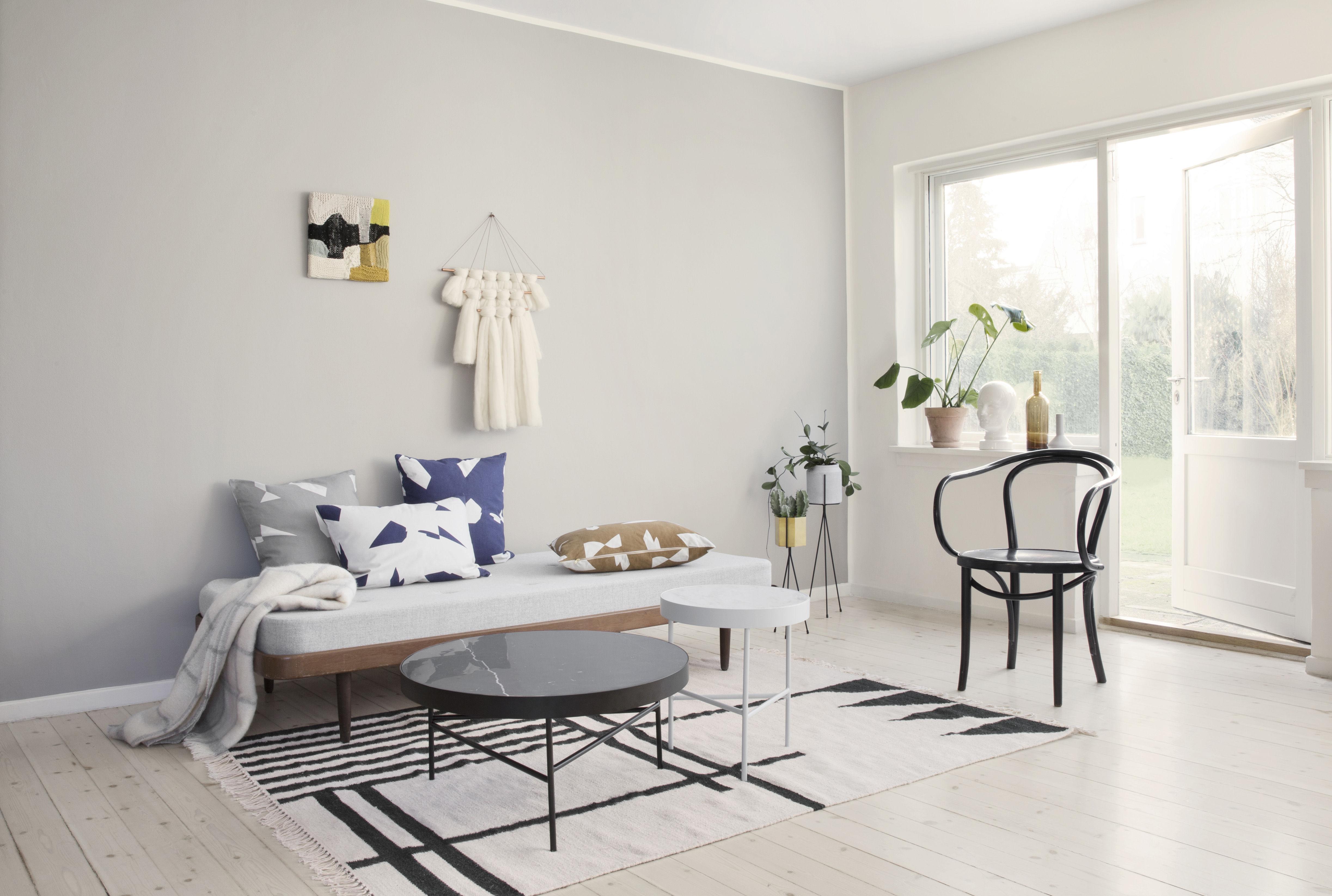 kelim black lines large 140 x 200 cm ferm living. Black Bedroom Furniture Sets. Home Design Ideas