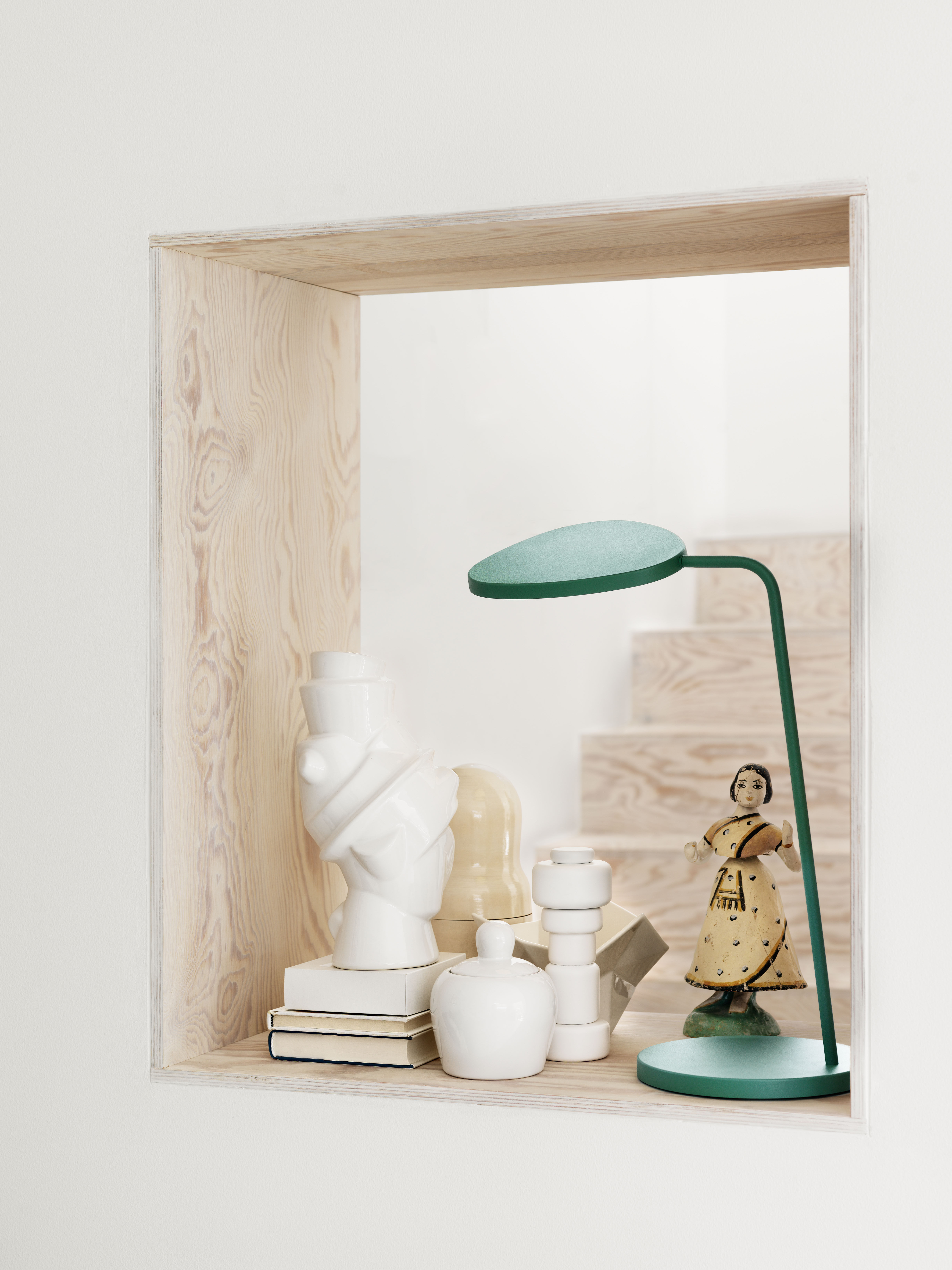 scopri vaso closely separated giallo di muuto made in design italia. Black Bedroom Furniture Sets. Home Design Ideas